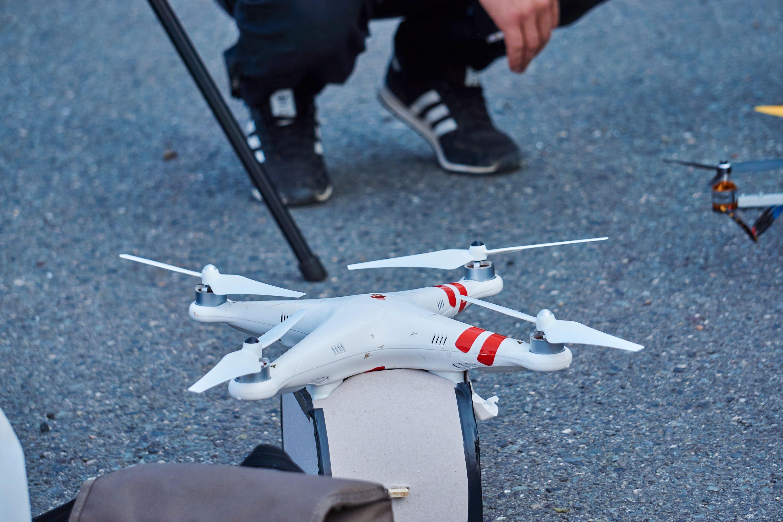 Hva får du hvis du monterer en dorullholder på en DJI Phantom 3? Jo, en dorull-drone!