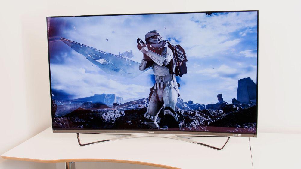 Alle vil lage OLED-TV-er for tiden. Unntatt Samsung. Her er Panasonics variant fra i fjor. Den kostet heftige 100 000 kroner i butikken.