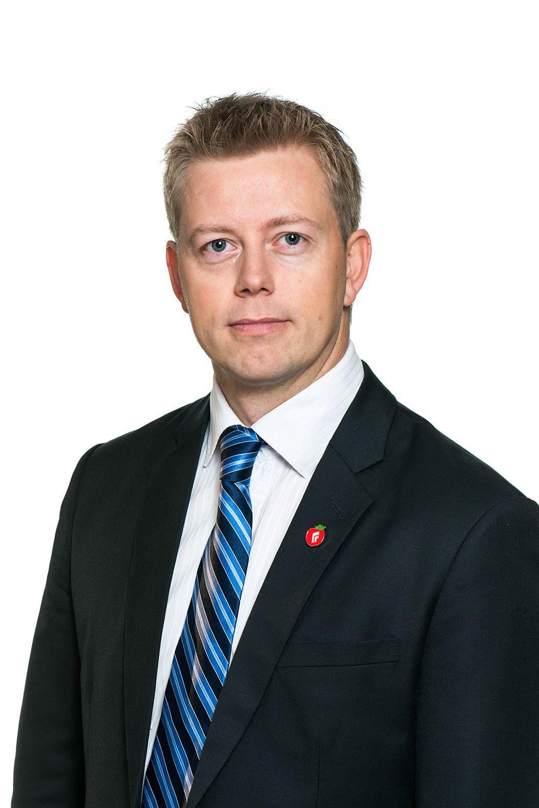 Statssekretær Tommy Skjervold (FrP) i Samferdselsdepartementet sier de forventer at folk følger reglene.