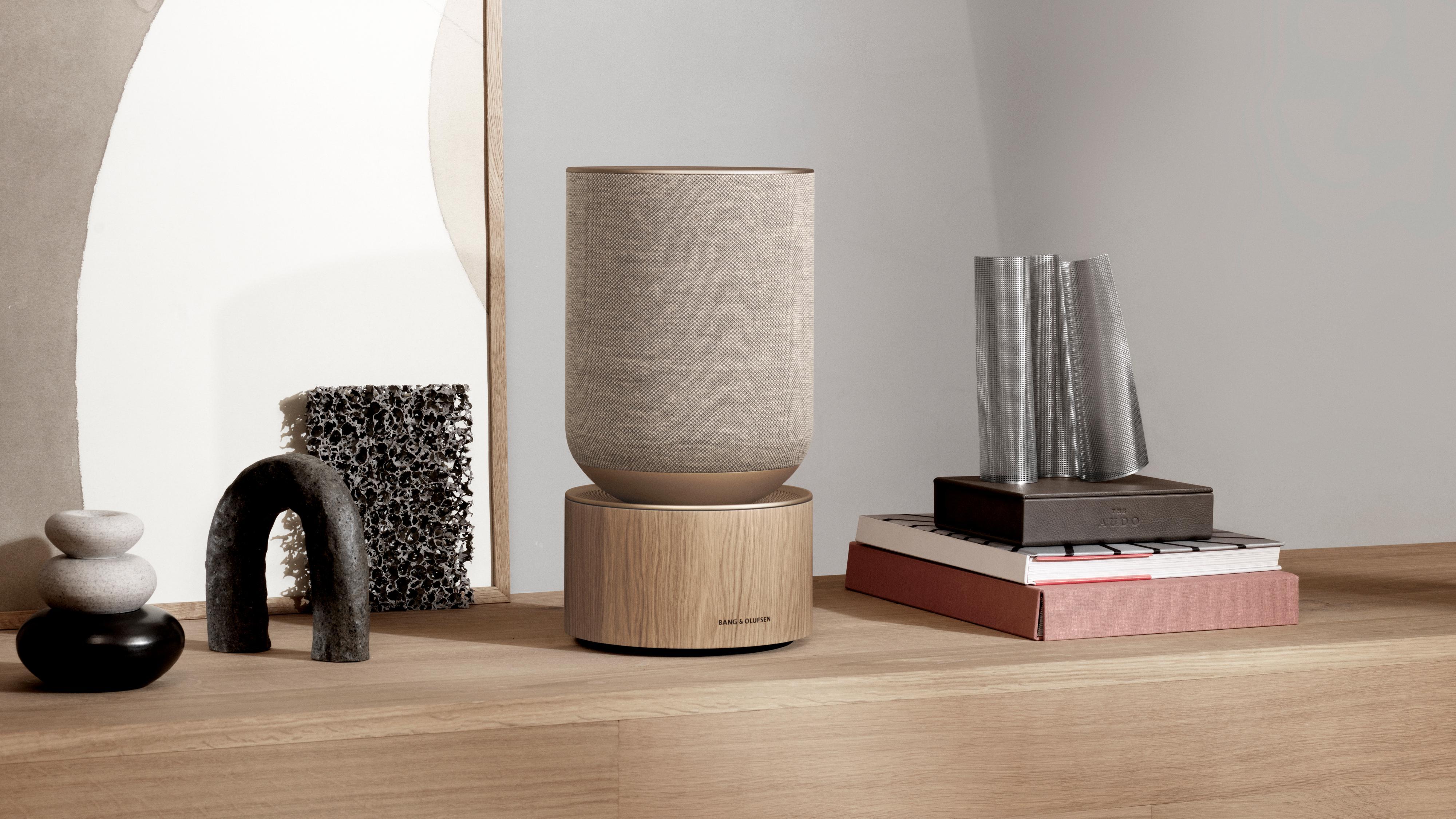 Bang & Olufsens nye Beosound Balance er en ganske massiv wifi-høyttaler. Bang & Olufsen lover gigantisk lyd.