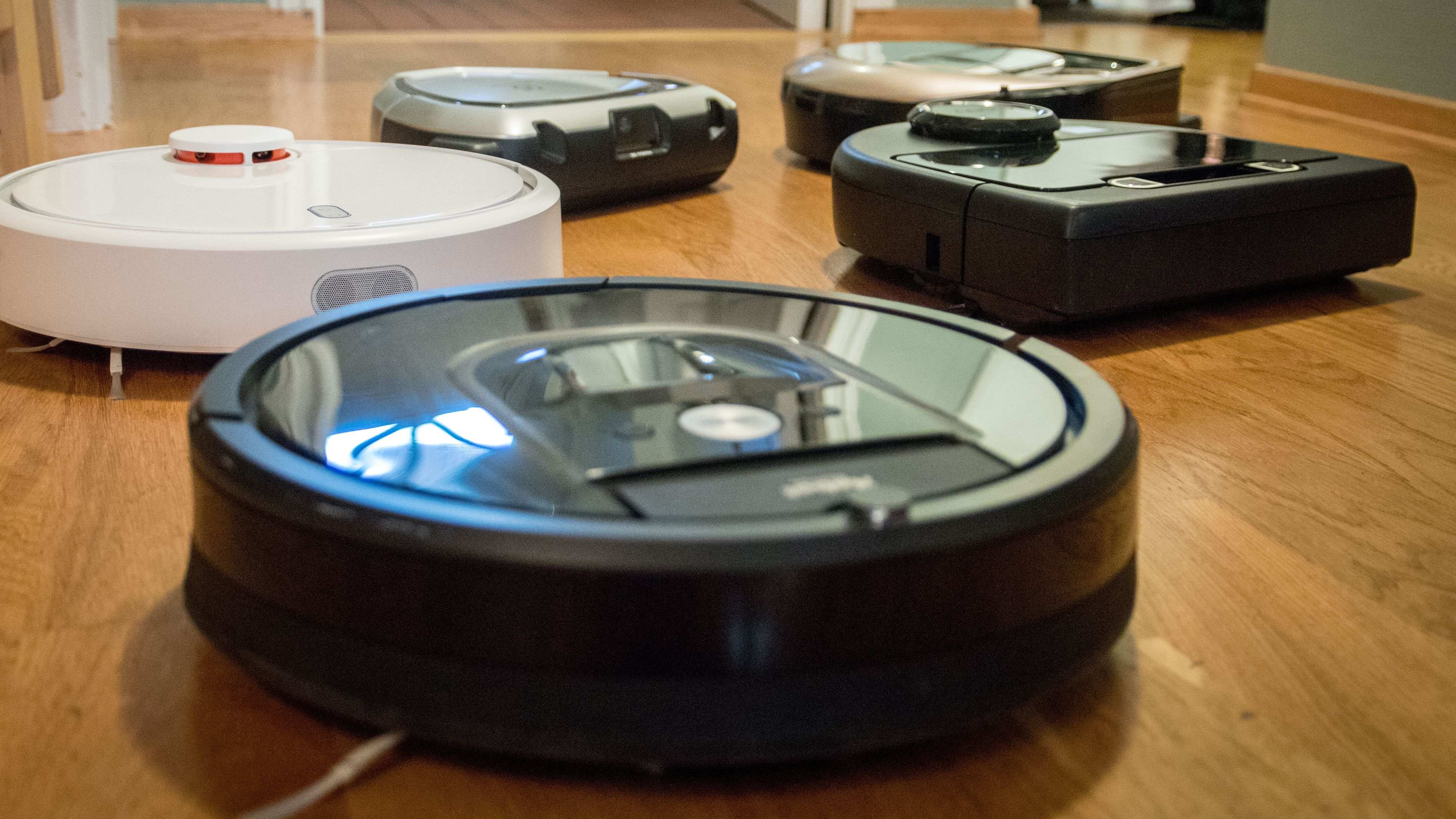 Tar i bruk robotstøvsugere