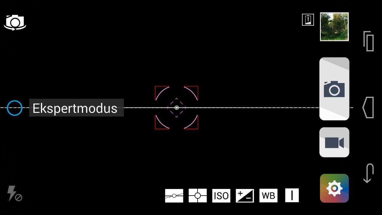 Når du aktiverer ekspertmodus i kamera-appen, dukker det opp en linje som gjør det enklere å holde kameraet rett.