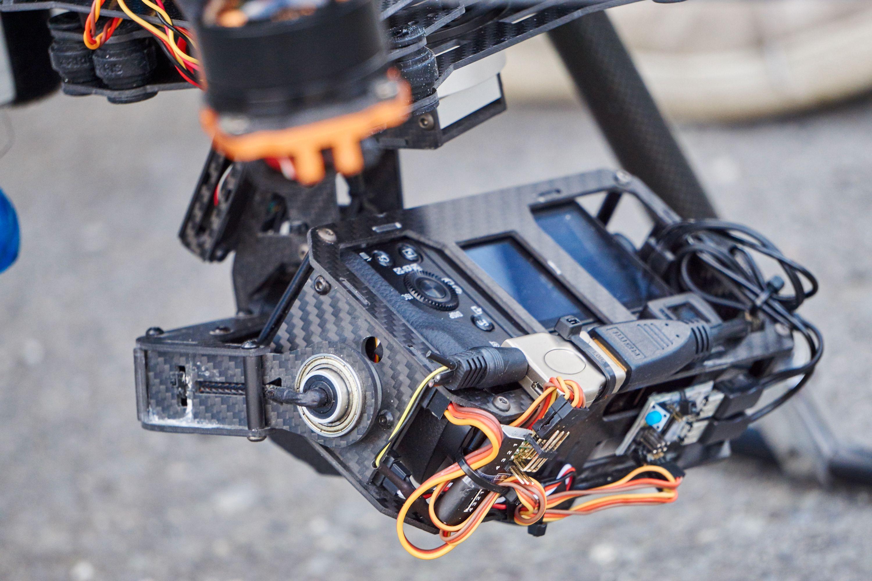Kamerakonstruksjonen på en av de større dronene.