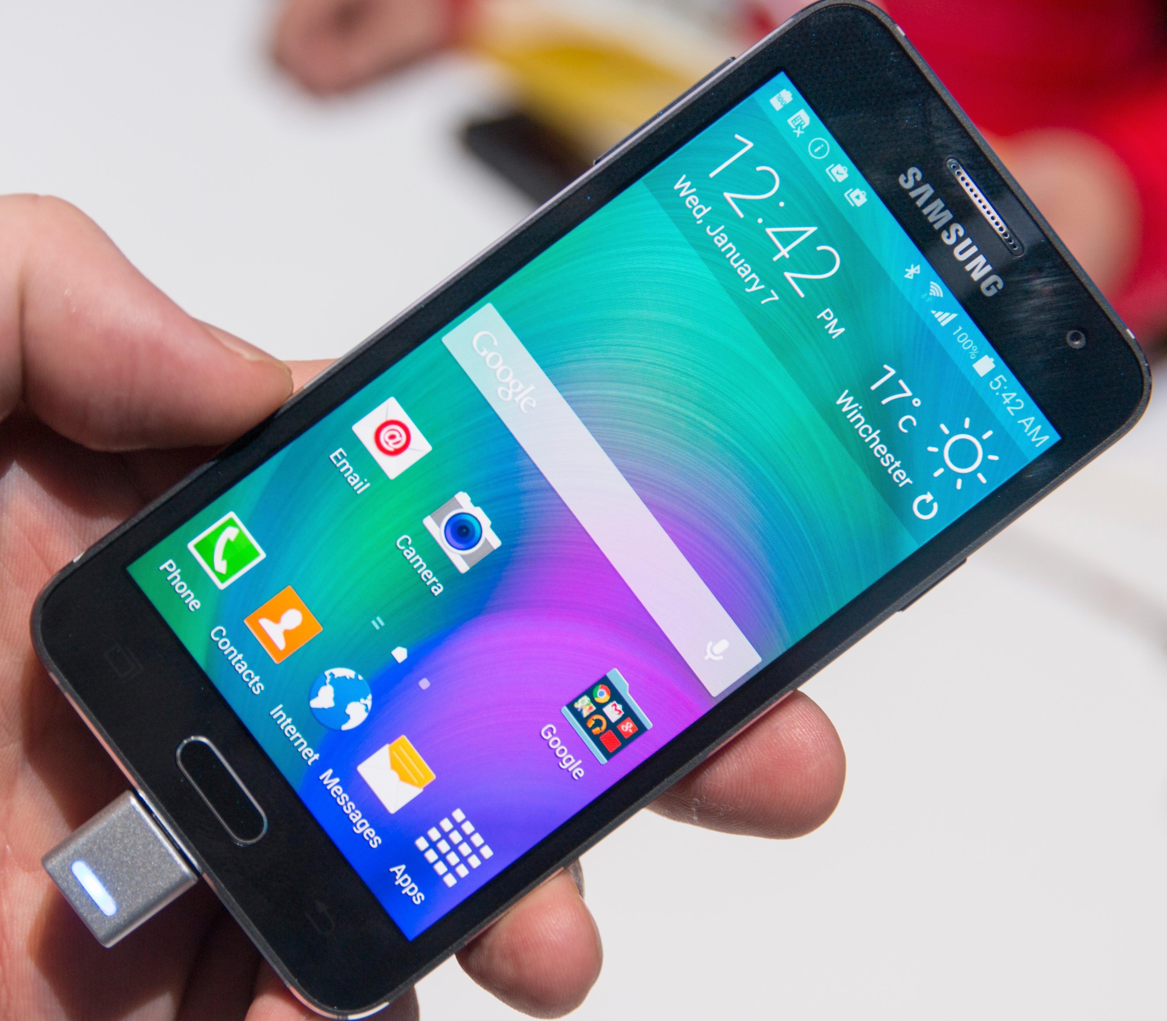 Som vanlig er det Samsungs Touch Wiz-menyer som kjører oppå Android.