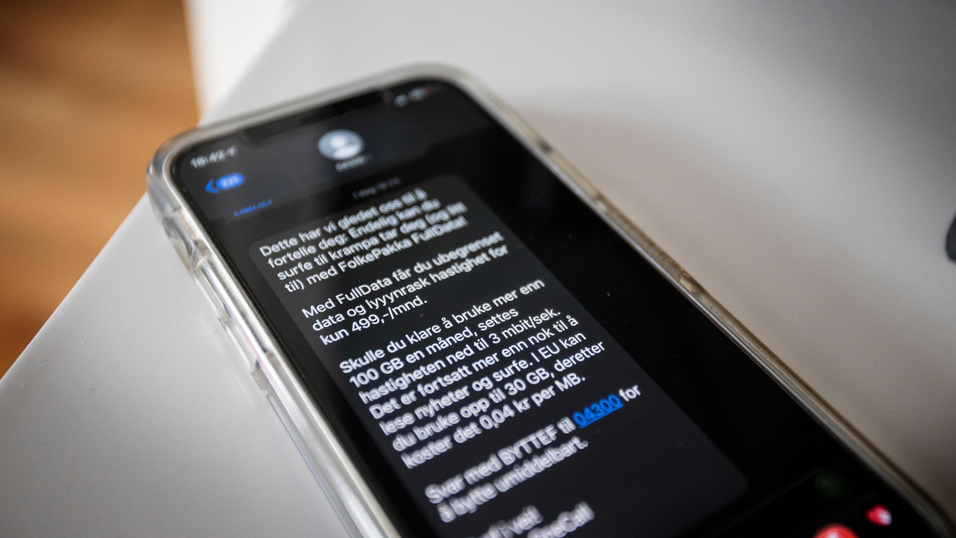 Utvalgte OneCall-kunder fikk mandag en SMS med tilbud om å bytte til et nytt abonnement med såkalt «ubegrenset» data.