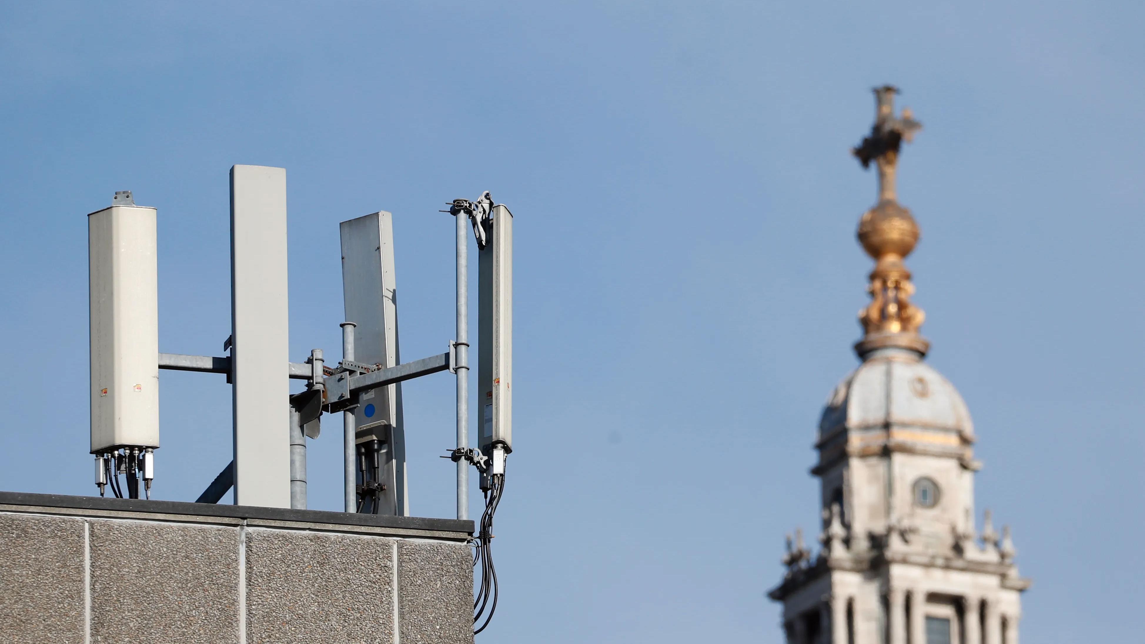 Storbritannia bannlyser 5G fra Huawei i 2021