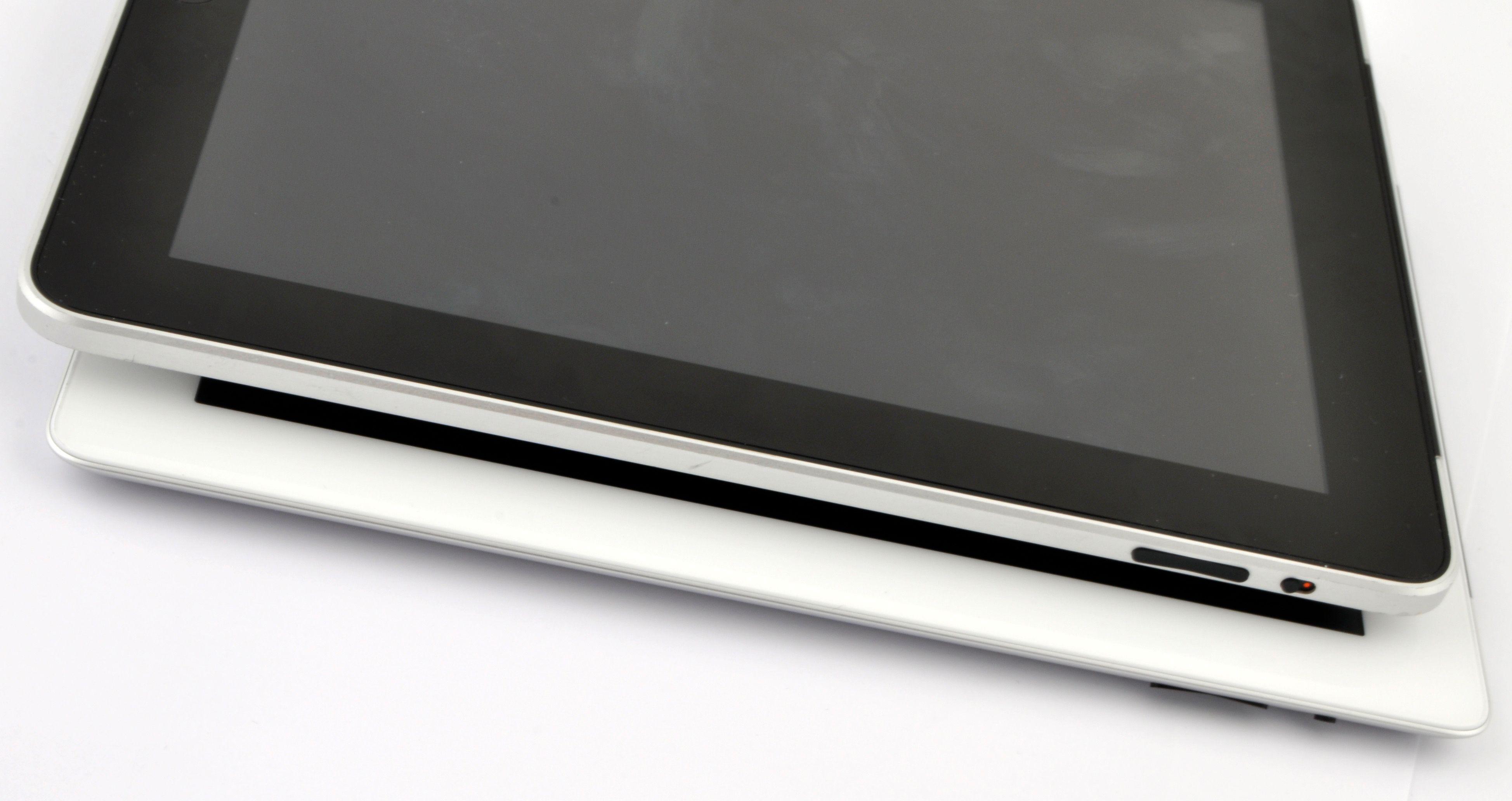 iPad 2 er tynnere enn den første iPad-en.