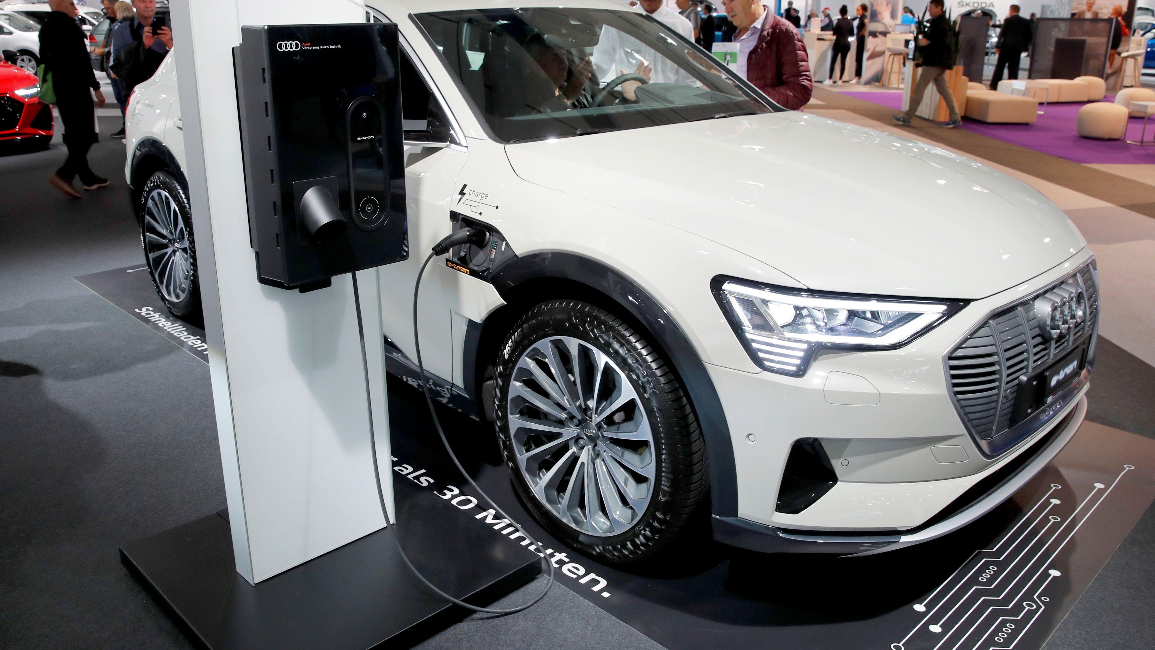 Klagestorm mot Audis el-SUV etter app-trøbbel