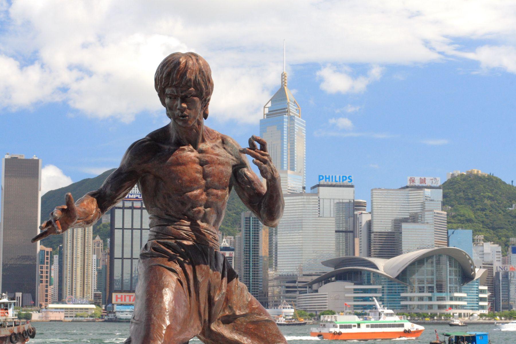 Hongkong gjør det bra på Internett. Her er en statue av Bruce Lee.Foto: Johnson Lau / Wikimedia Commons
