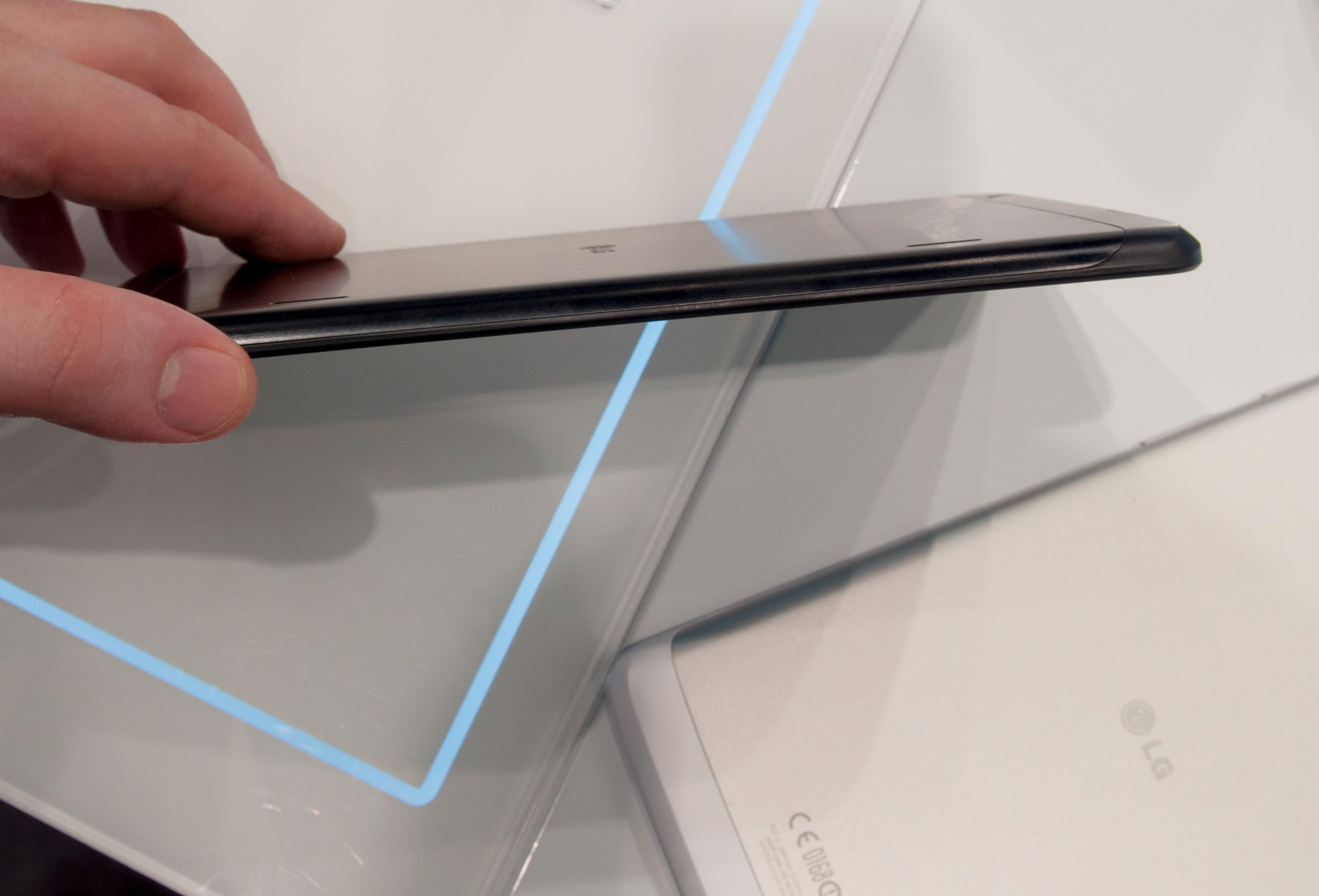 LG G Pad har 8,3 tommer stor skjerm, og er 8,3 millimeter tykt.Foto: Finn Jarle Kvalheim, Amobil.no