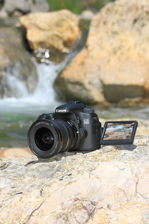 Canon EOS 70D med skjermen ute.Foto: Canon