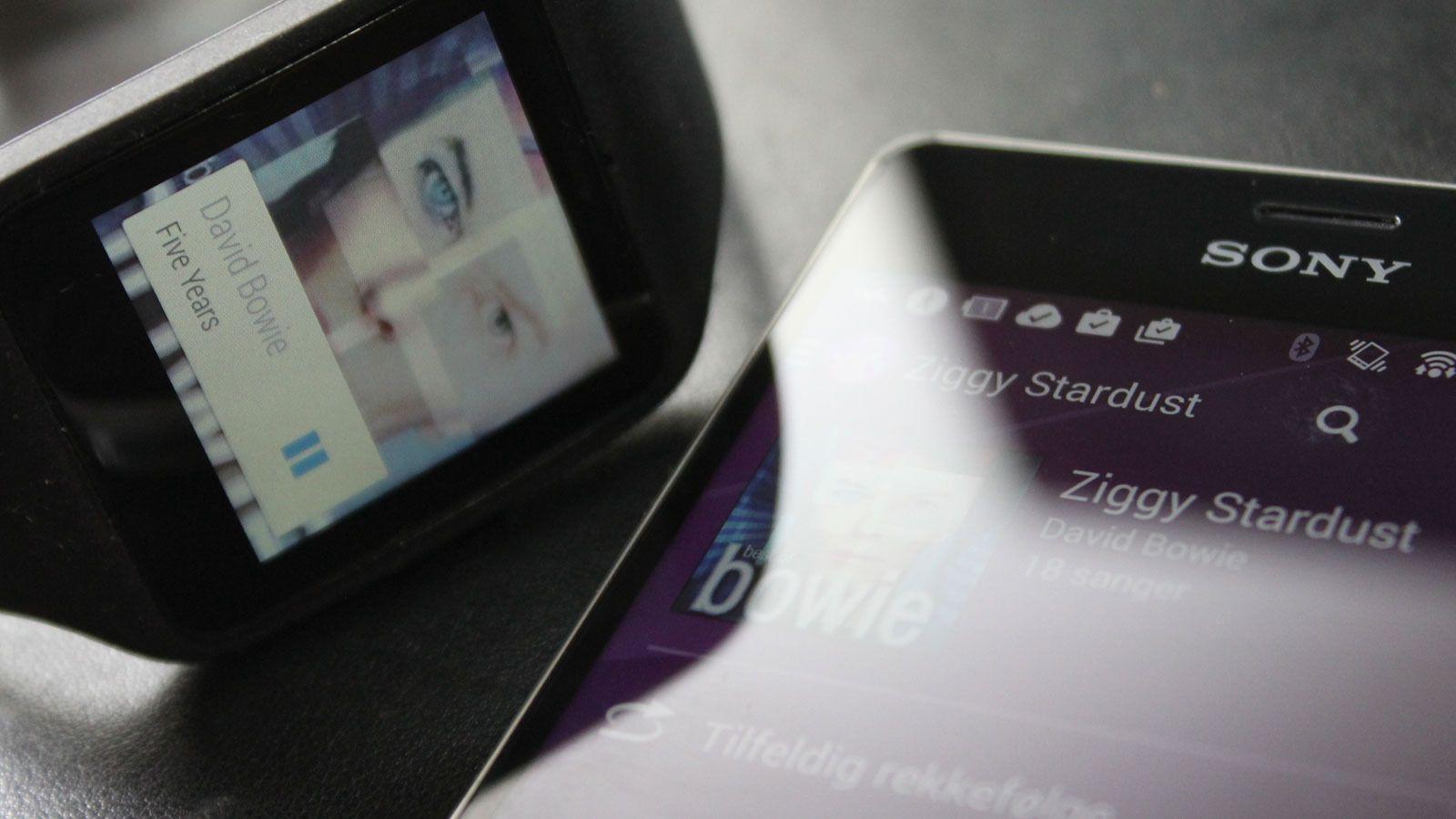 Klokka fungerer utmerket som fjernkontroll til musikkspilleren, også om du bruker Wimp eller Spotify.Foto: Espen Irwing Swang, Tek.no
