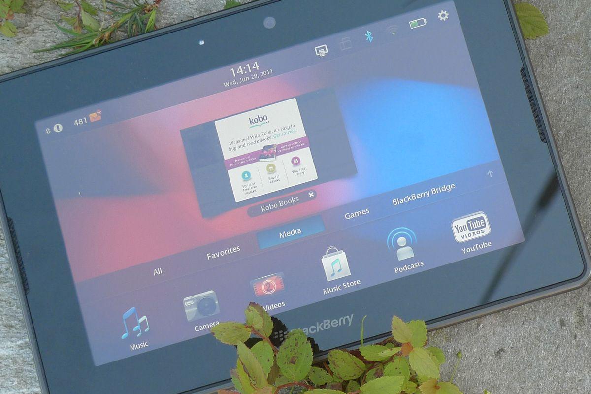 BlackBerry 10 er basert på samme operativsystem som kjører i BlackBerry PlayBook. Nettbrettet hadde sine ulemper, men brukeropplevelsen i menyene var bortimot uslåelig.