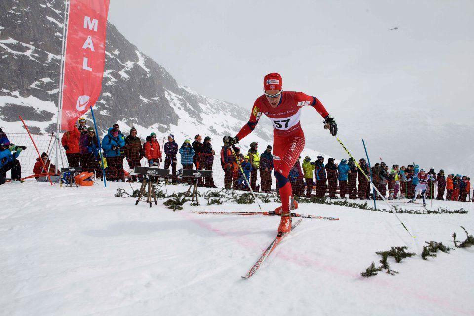 I Røldal Ned Opp møtes toppidrettsutøvere fra flere grener, ivrige mosjonister og lokale håpefulle i «Vestlandets villeste ski-eventyr».