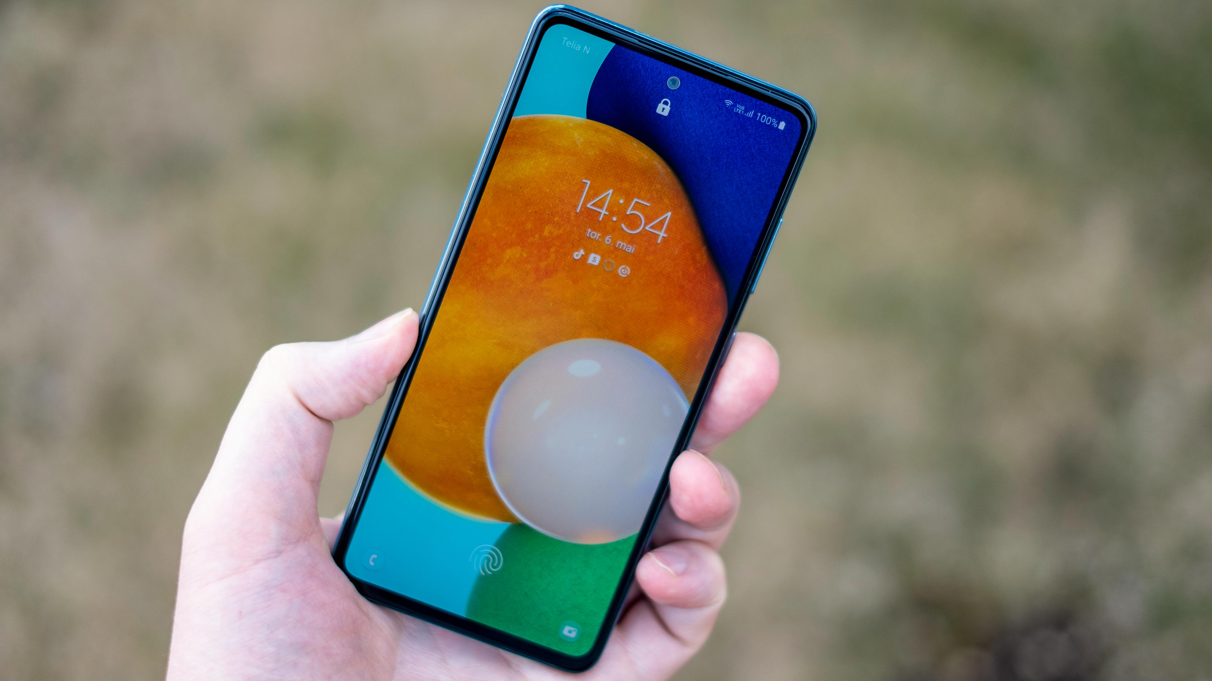 Fargesterk og fin - Samsung kan sine AMOLED-skjermer.