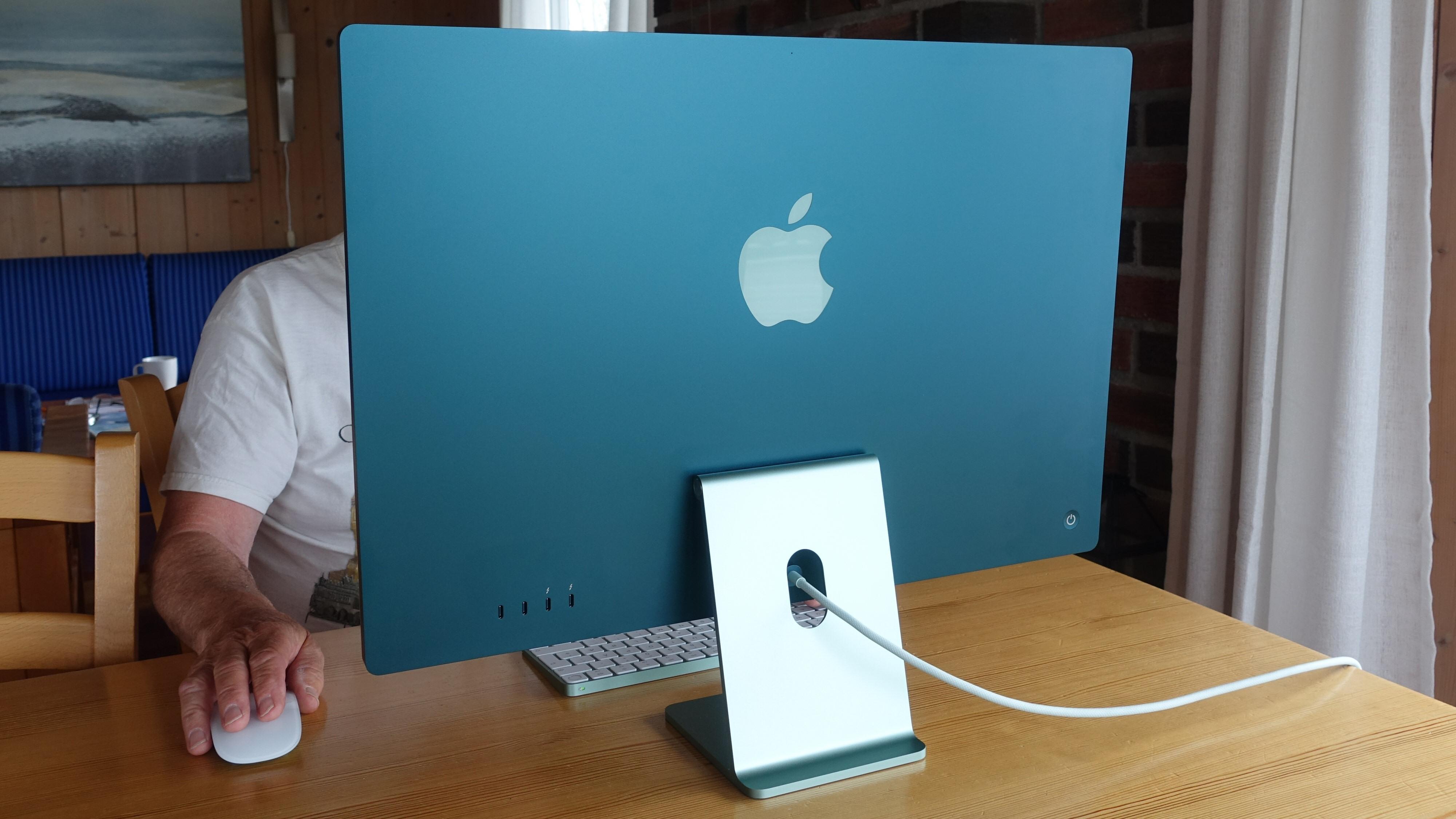 En moderne iMac er ikke bare for kontoret. Kanskje du finner en farge som matcher hytta?