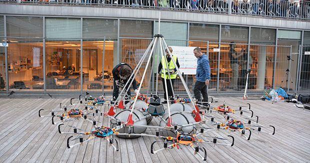 Dronen har 48 propeller fordelt på åtte armer.