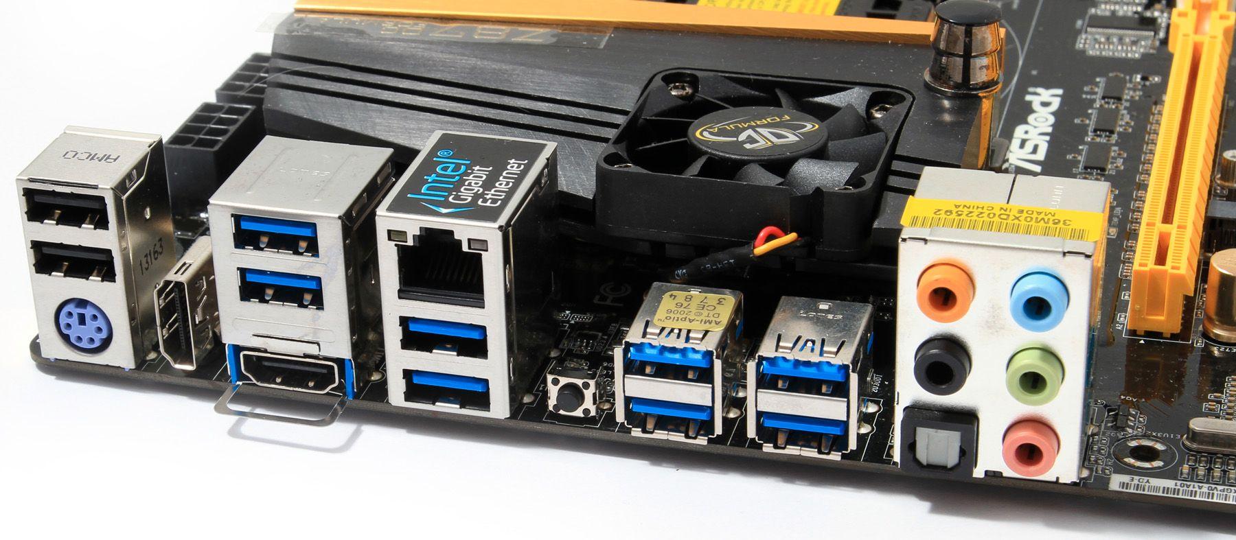 Blant inngangene på bakpanelet finner vi en HDMI-inn-kontakt, slik at du slipper å flytte på kabler for å endre hvilket enhet som er koblet til skjermen din. Foto: Sindre Eldøy - Hardware.no