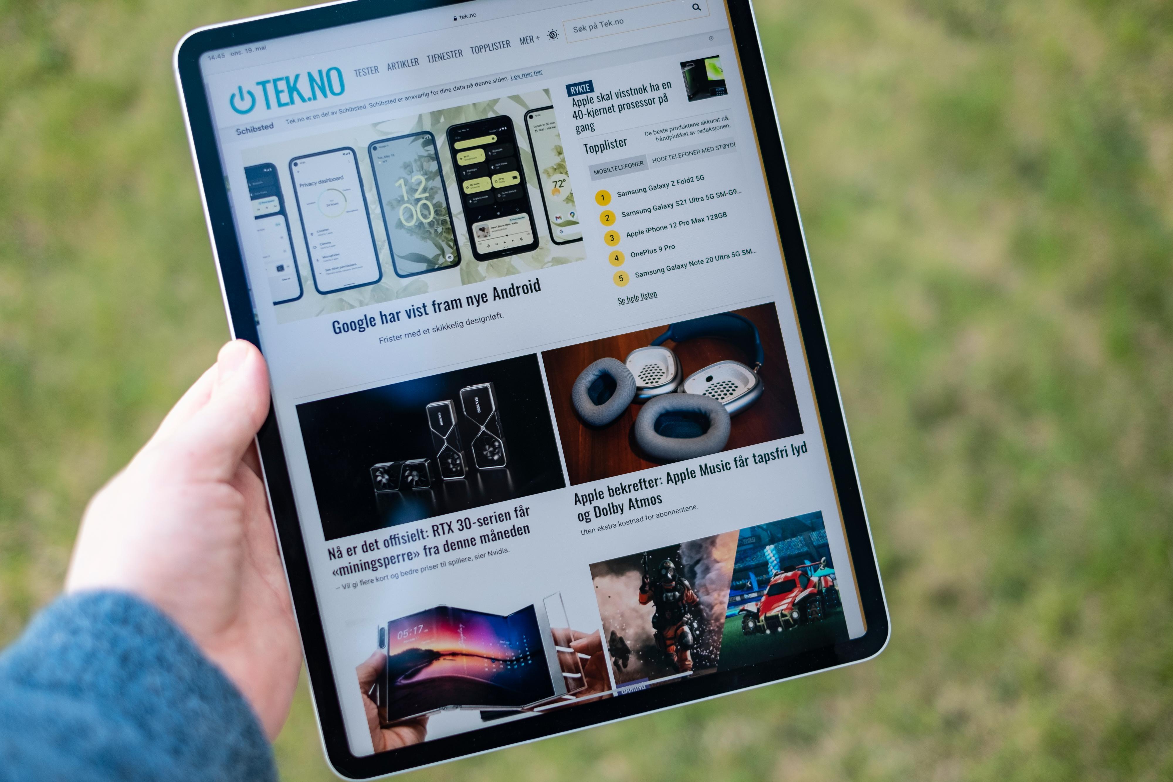 Vi prøvde å komme på et nettbrett som er bedre enn iPad Pro. Det klarte vi ikke. Det er fortsatt forbedringspotensial igjen, og med en pris på 12.000 kroner glipper toppkarakteren såvidt unna.
