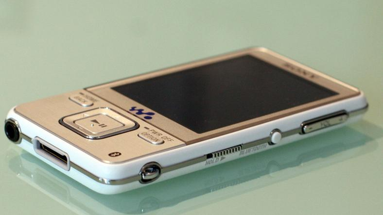 Sony Walkman A826