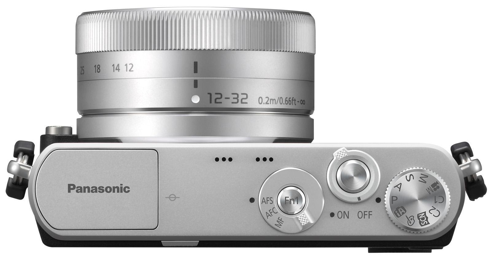 Kameraet sett overfra. Dybden, inklusive objektivet, er på cirka 5,5 cm.Foto: Panasonic