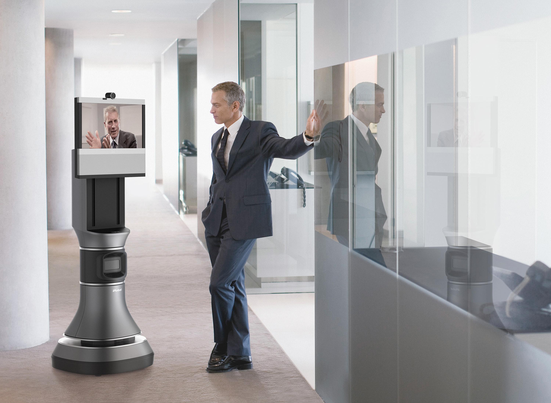 Roboten lar deg slå av en prat med en kollega du møter i korridoren, på vei til møterommet. .Foto: iRobot/Cisco