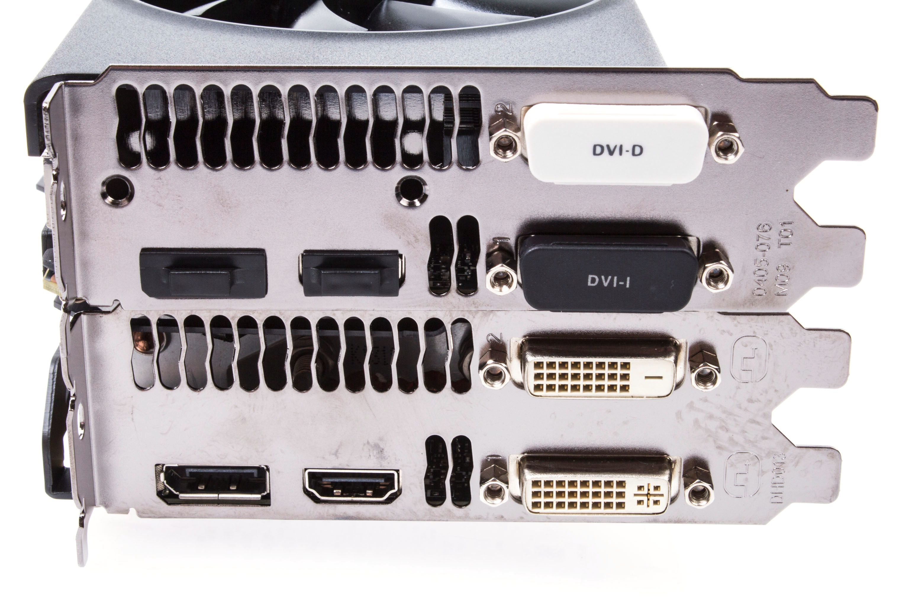 Med HDMI, DisplayPort og dobbel DVI byr begge GeForce GTX 780-modellene på nok av utganger.Foto: Varg Aamo, Hardware.no