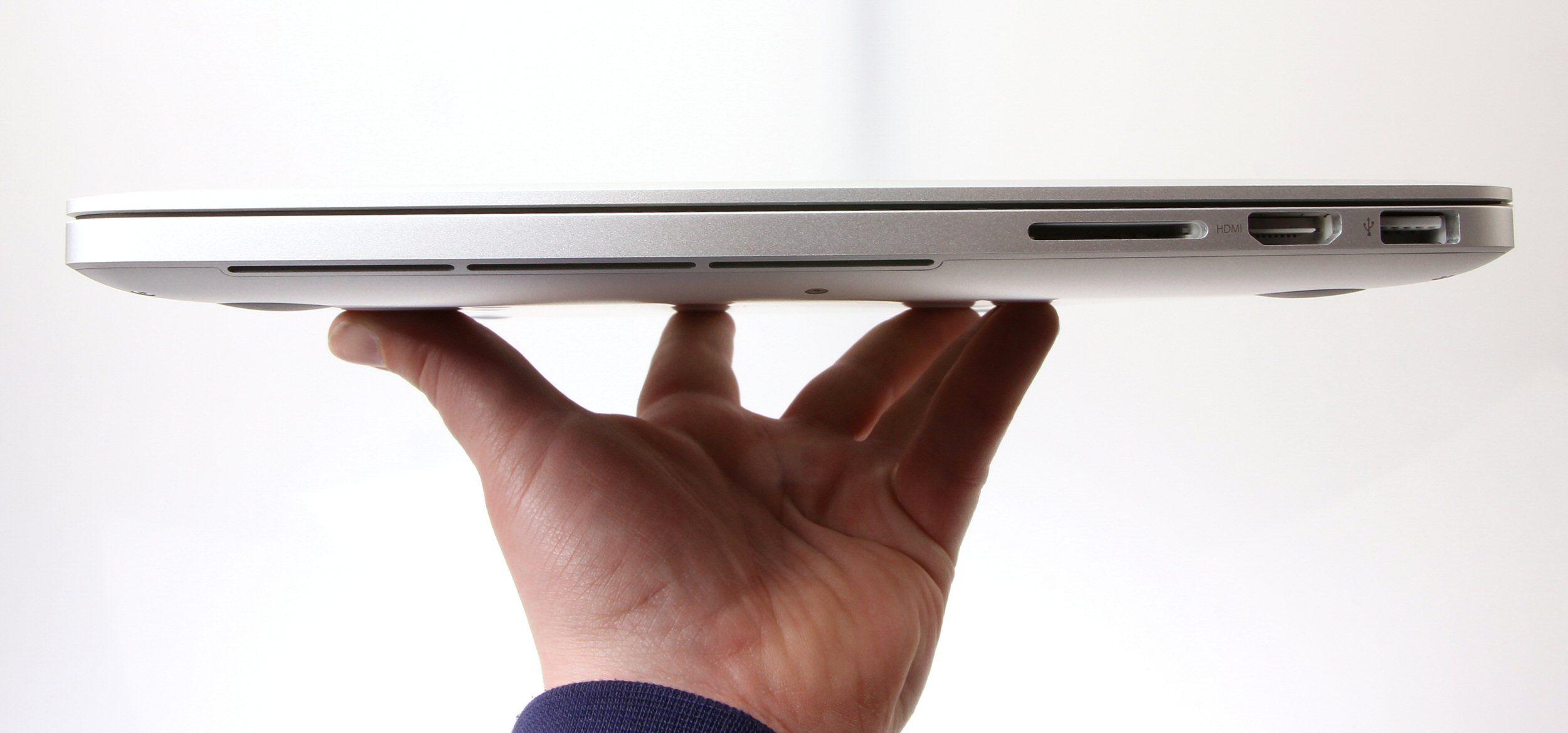 1,9 centimeter tykk, 1,63 kilogram tung.Foto: Vegar Jansen, Hardware.no