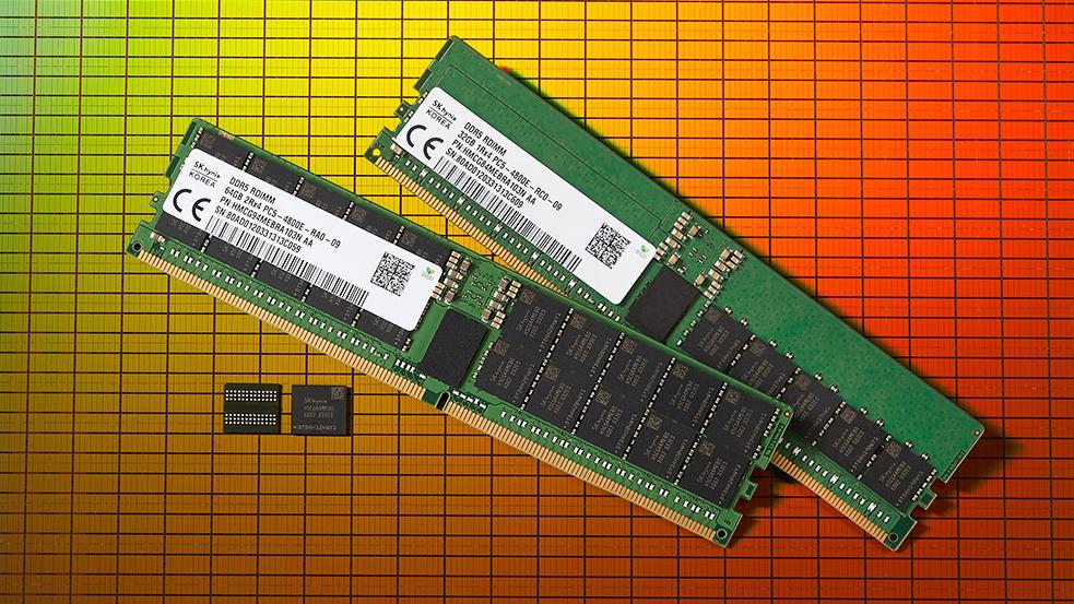 Koreanske SK Hynix avduket sine DDR5-minnebrikker i fjor. Først nå begynner minnemodulene å komme på plass.