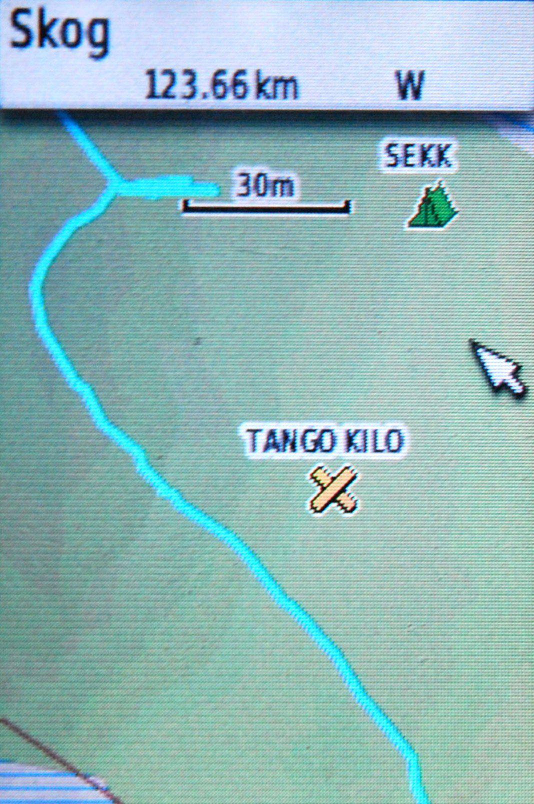 Her ser du kartet Topo Adventure i funksjon med to veipunkter vi har lagret i GPS-en.