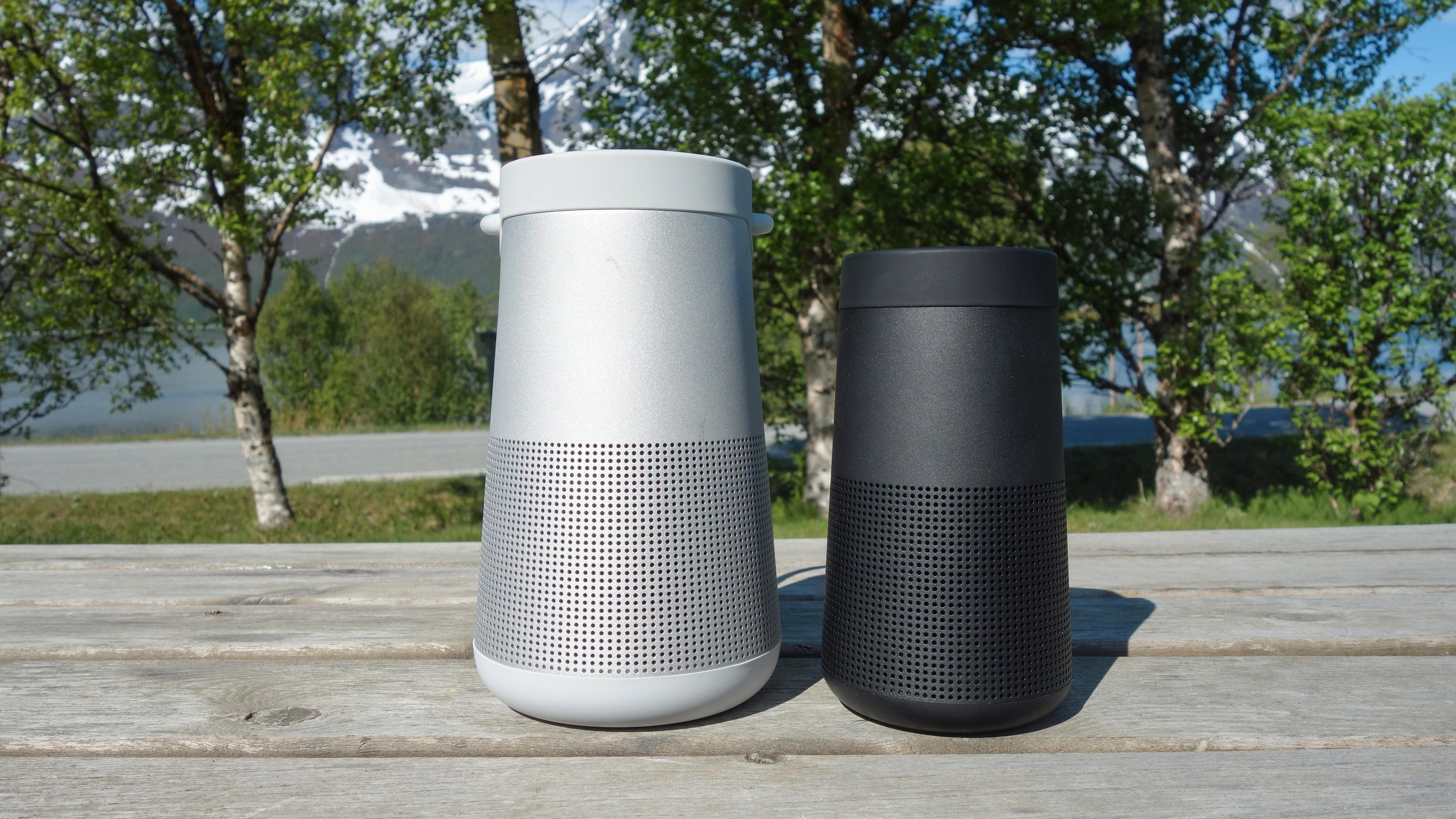 Boses to høyttalere: Revolve+ II til venstre, Revolve II til høyre.