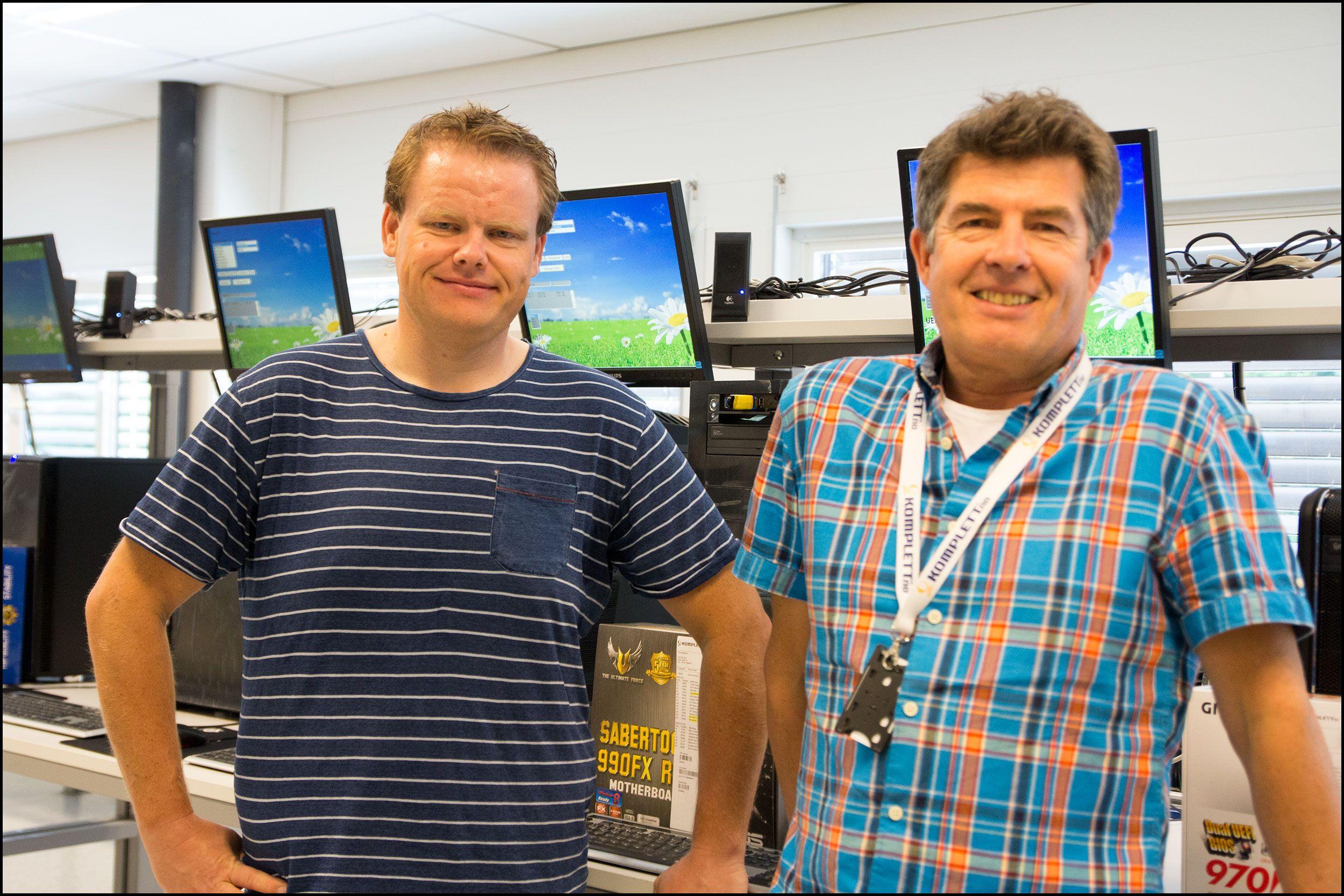 Pål Fredrik Berg, produktsjef for Komplett PC til venstre. Ole Soleng, produksjonssjef i Komplett til høyre. Foto: Jørgen Elton Nilsen, Hardware.no