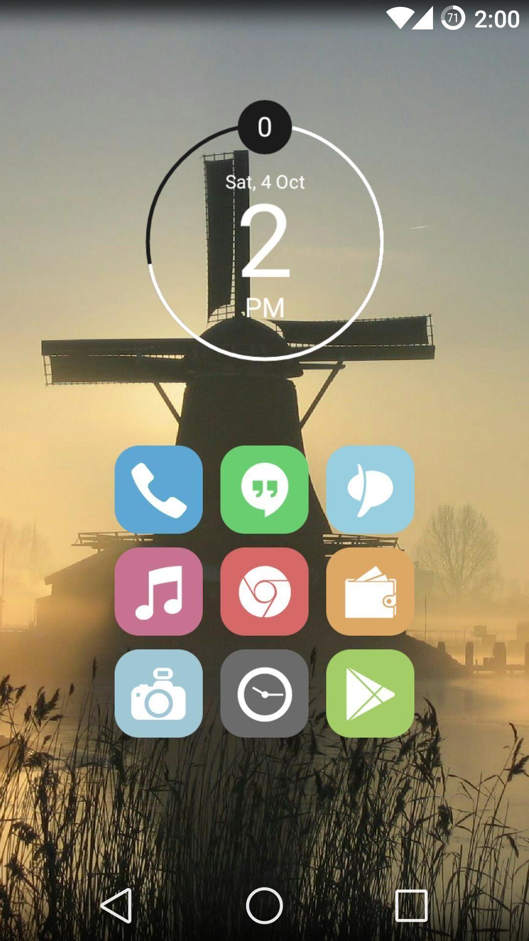 Forumbrukeren Bear96 har tatt det helt ut. Han har både Cyanogenmod 11, i tillegg til launcheren Apex Launcher. Kombinert med egne ikoner fra Veronica Icon Pack er resultatet en kjempelekker hjemskjerm.