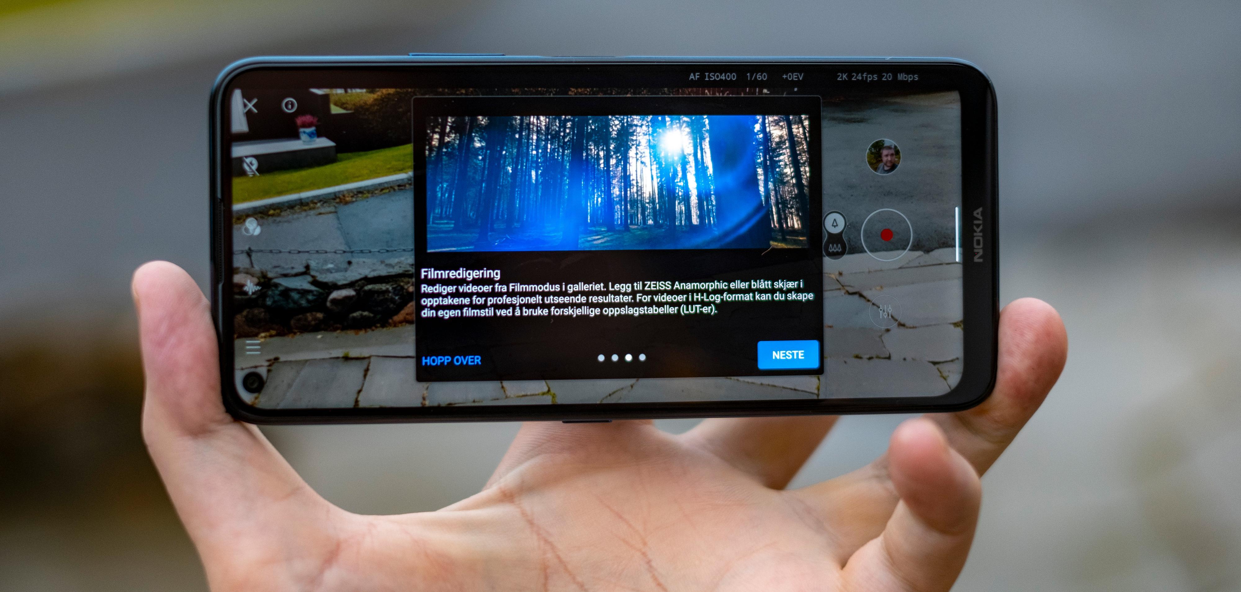 Hurra! Blåskjær i videoen. Vi gir oss ende over. Alvorlig talt; dette er ikke funksjoner det føles riktig å betale flere tusen mer for enn man må gjøre for telefoner som er bedre over det hele og mer behagelige å bruke. Men det er kanskje enkeltfunksjonen HMD/Nokia snakker mest om.