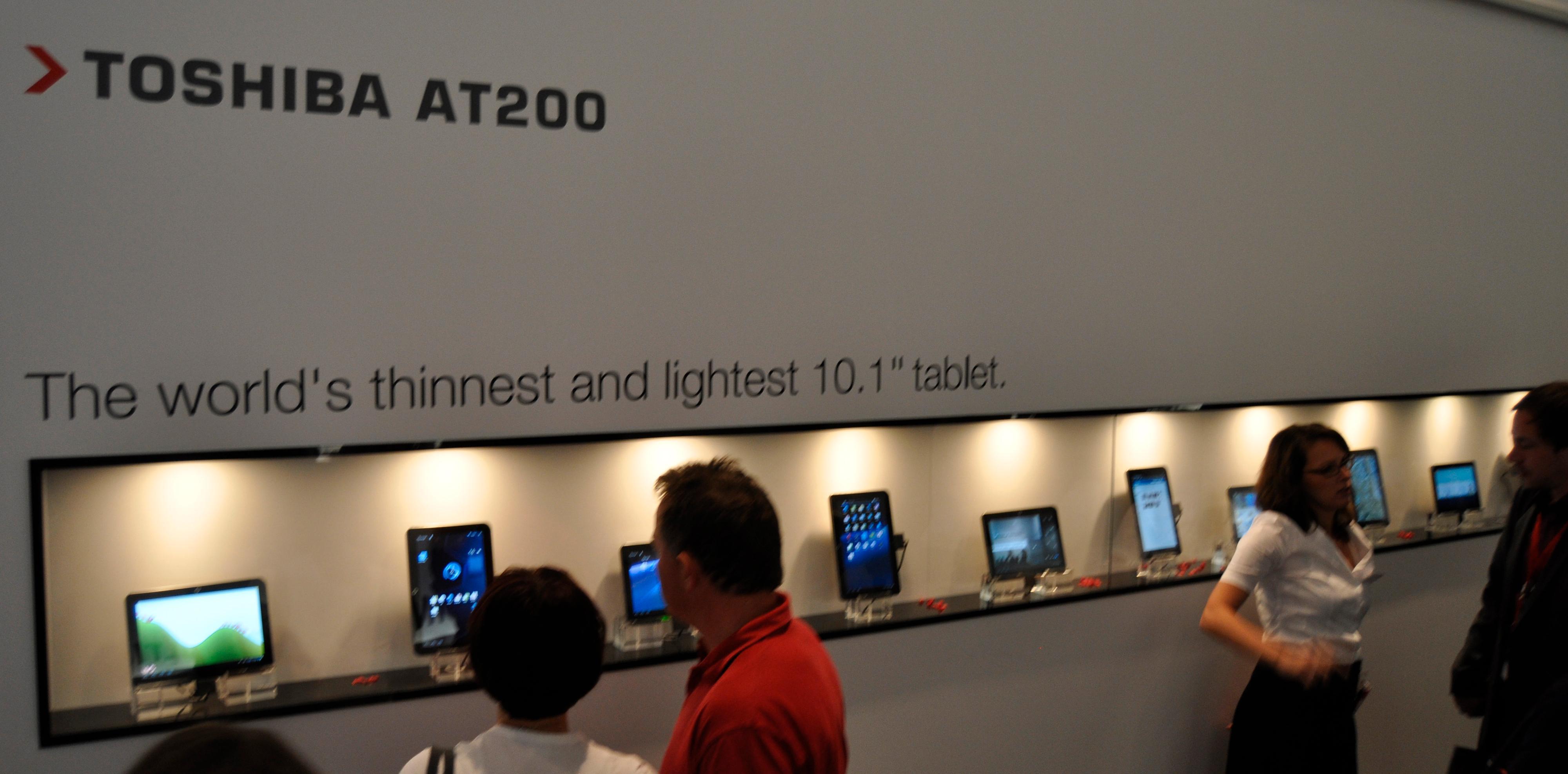 Toshiba stilte ut en rekke nettbrett med forskjellige apps på i sin hall.