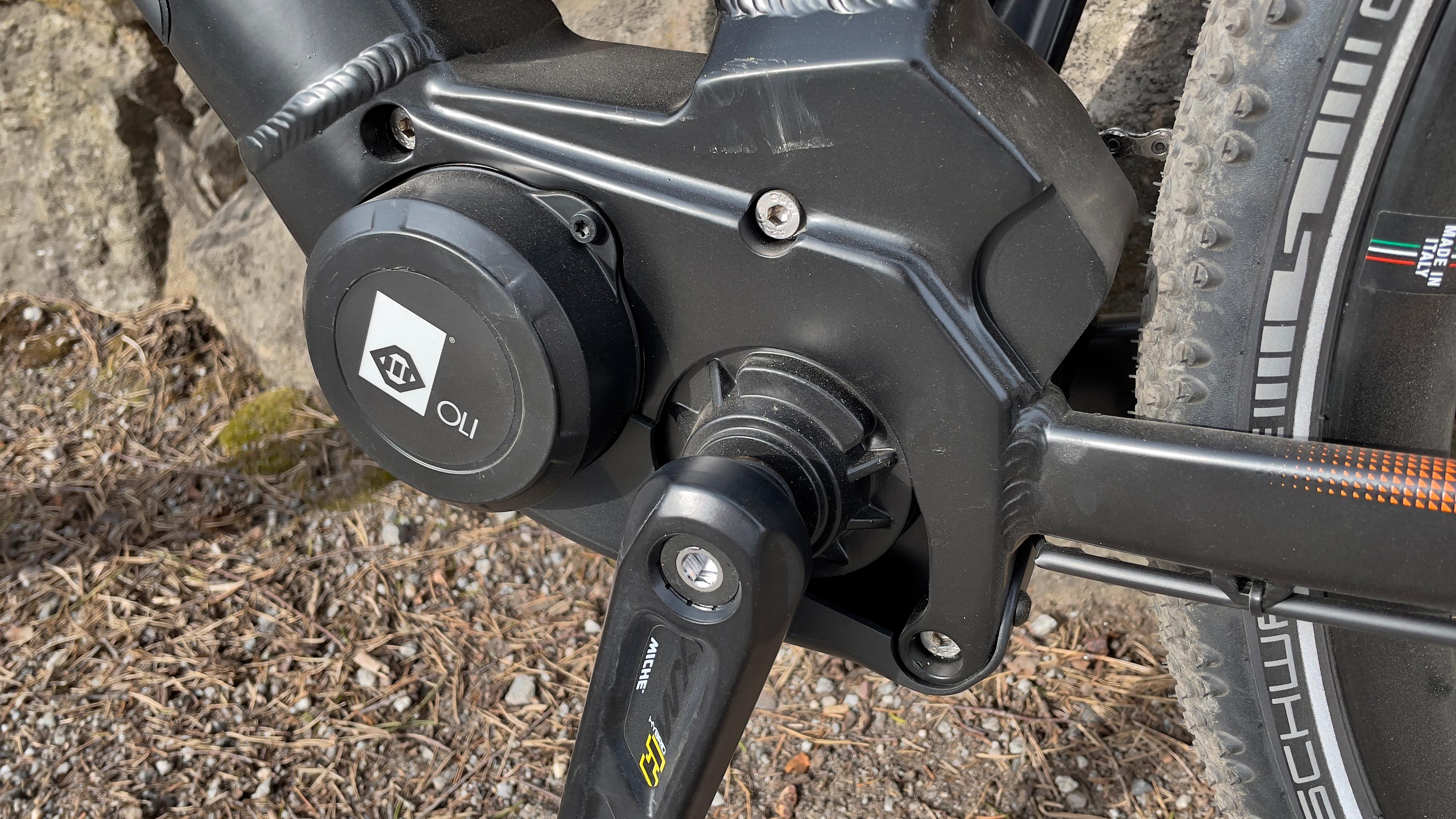 Oli-motoren yter opp mot 85 Nm, som tar deg opp det aller beste av bakker.