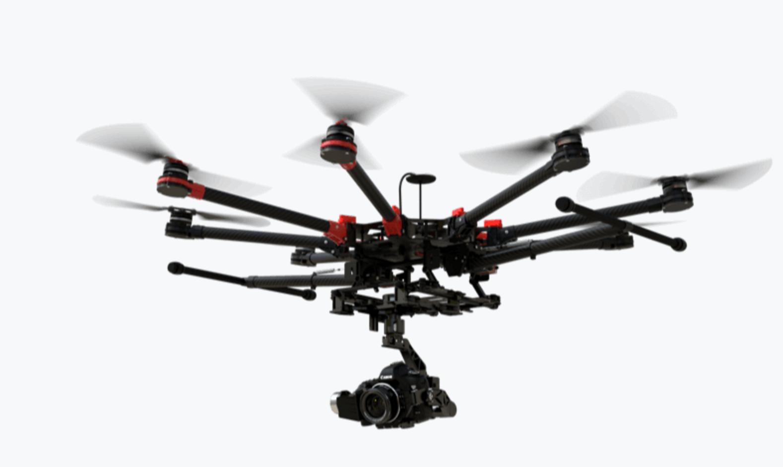 Profesjonelle droner som denne, DJI Spreading Wings S1000+, havner gjerne i RO2- eller RO3-kategoriene. DJI