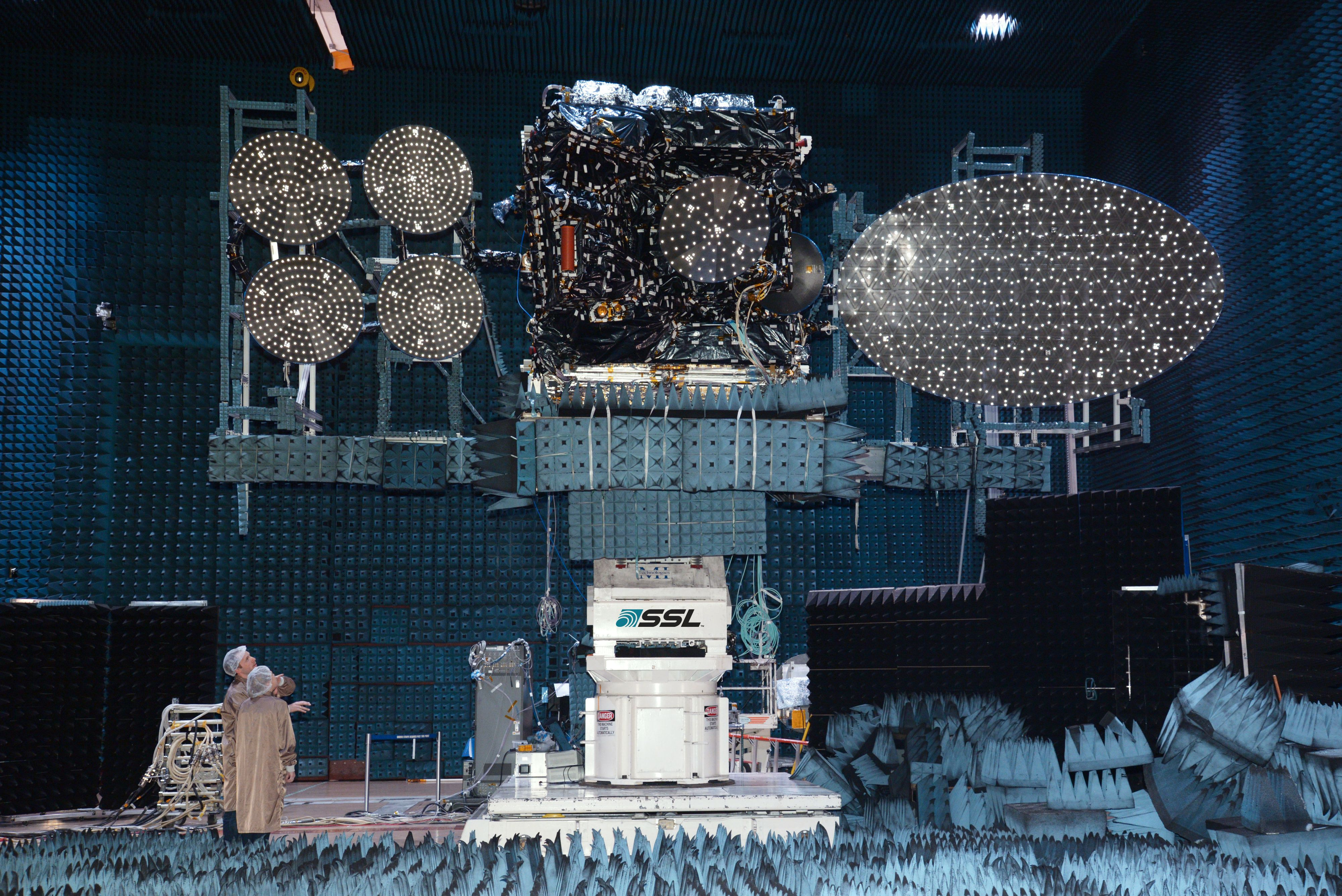 Thor 7 under testen av radioutstyret. Foto: SSL