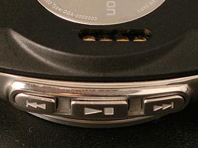 MBW-150 lar deg styre musikken rett fra håndleddet.