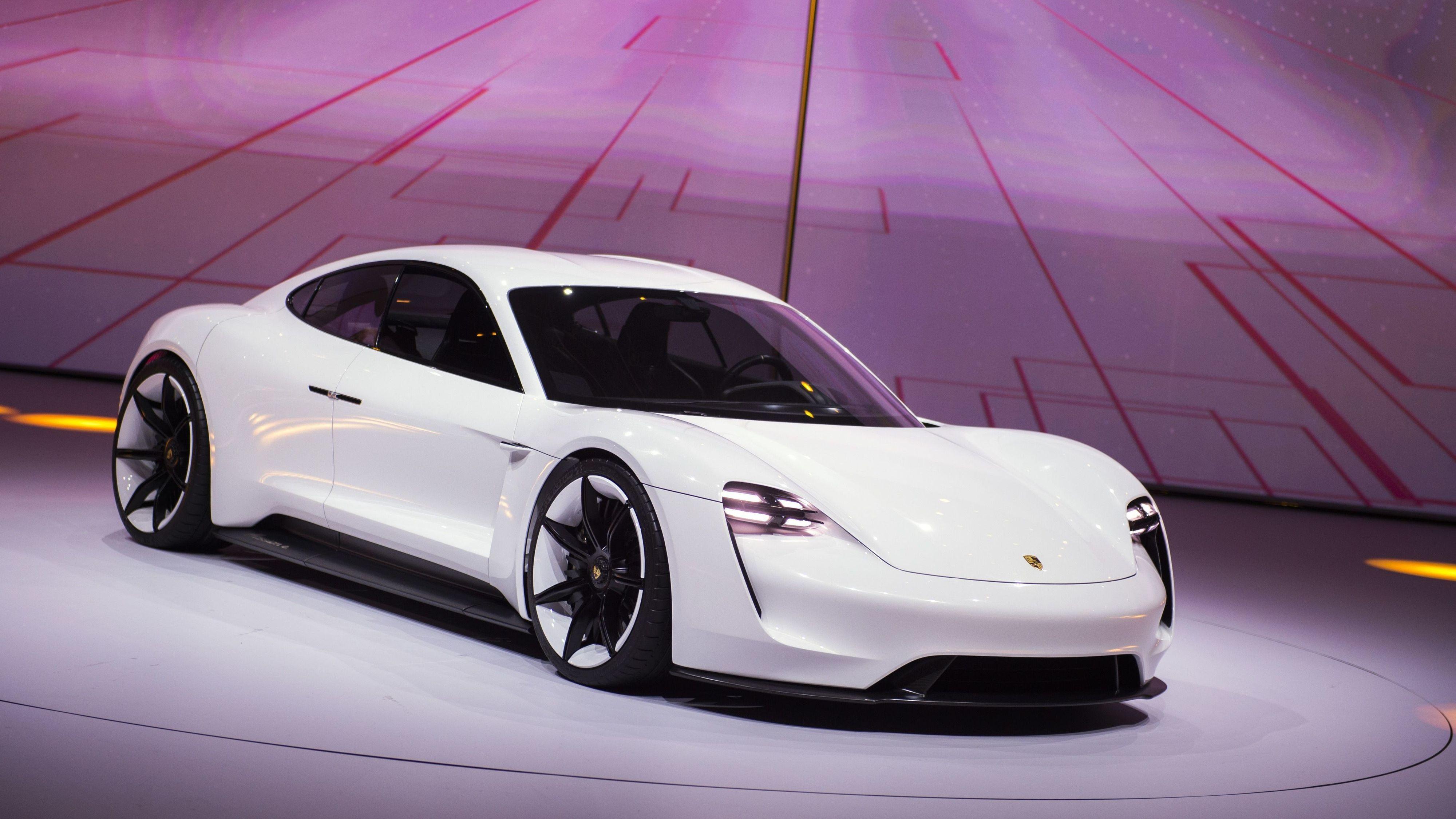 Nesten 2000 nordmenn har forhåndsbestilt Porsche-elbilen