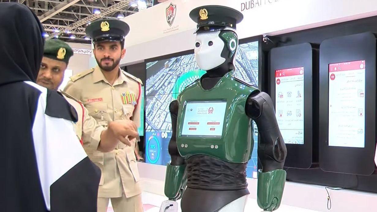 Ikke akkurat RoboCop, men dette er verdens første robot-politimann