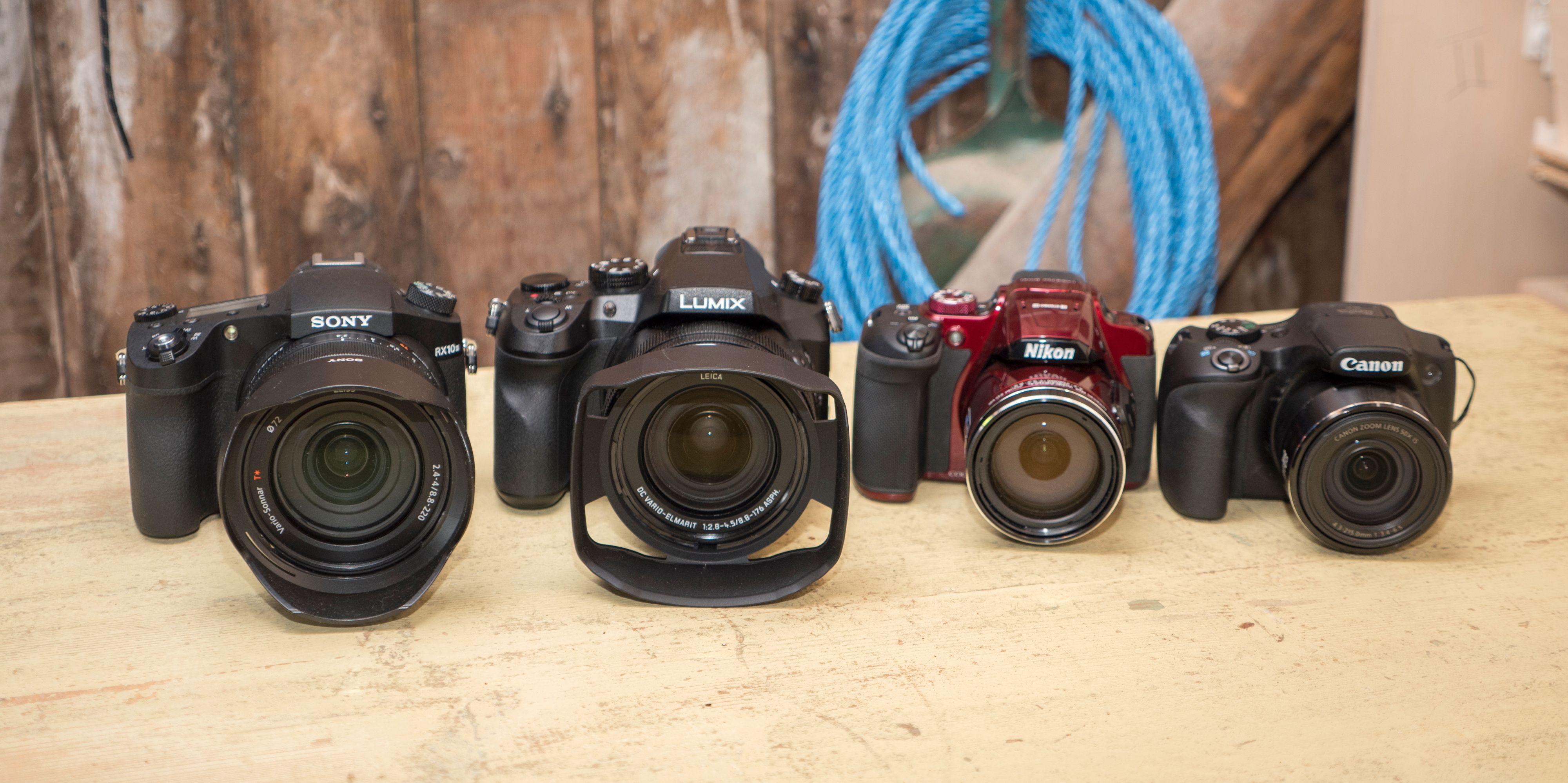 Fra venstre, hvis du ikke ser det på bildet: Sony, Panasonic, Nikon og Canon.