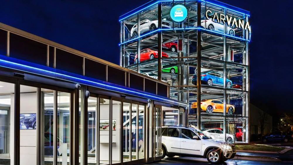 Dette er en kioskautomat for biler - og den bruker «mynter»