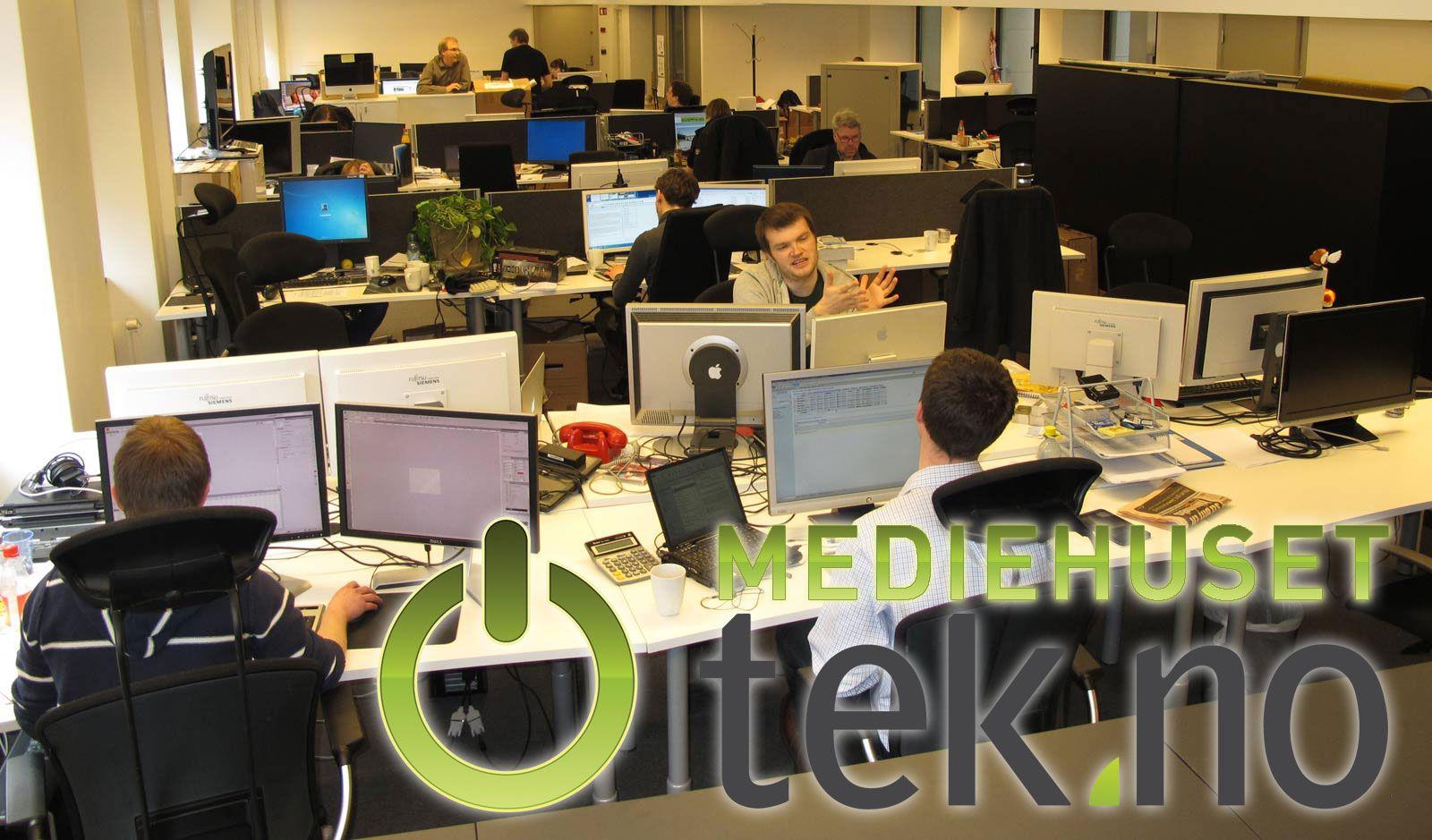 Utsikt over lokalene. IT-avdelingen sitter på bordrekken nærmest kamera. Foto: Rolf B. Wegner