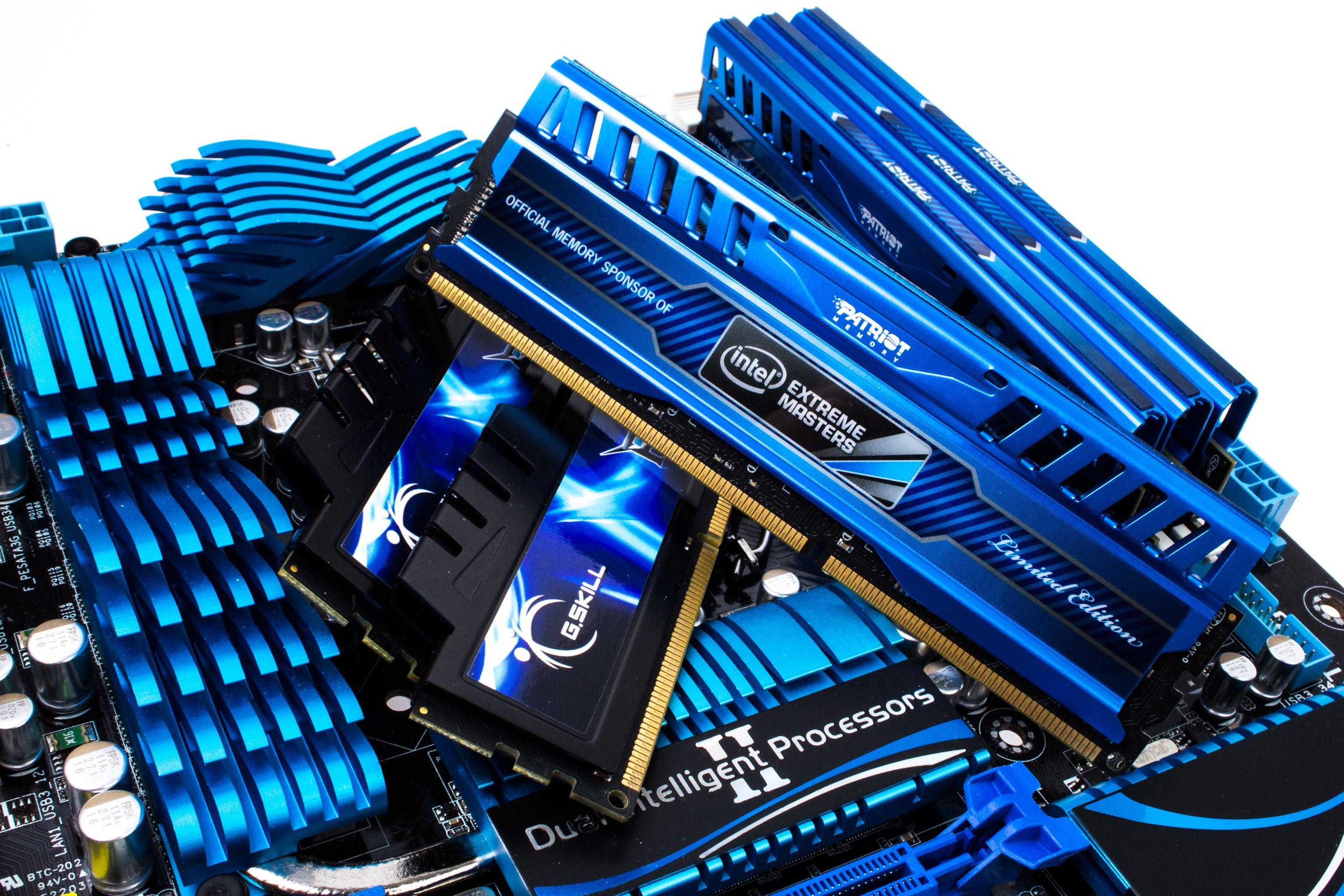 Det er mange som ikke er fornøyde med mindre de har minst 8 eller 16 GB minne i spillmaskinen sin. Men hjelper det?Foto: Varg Aamo, Hardware.no