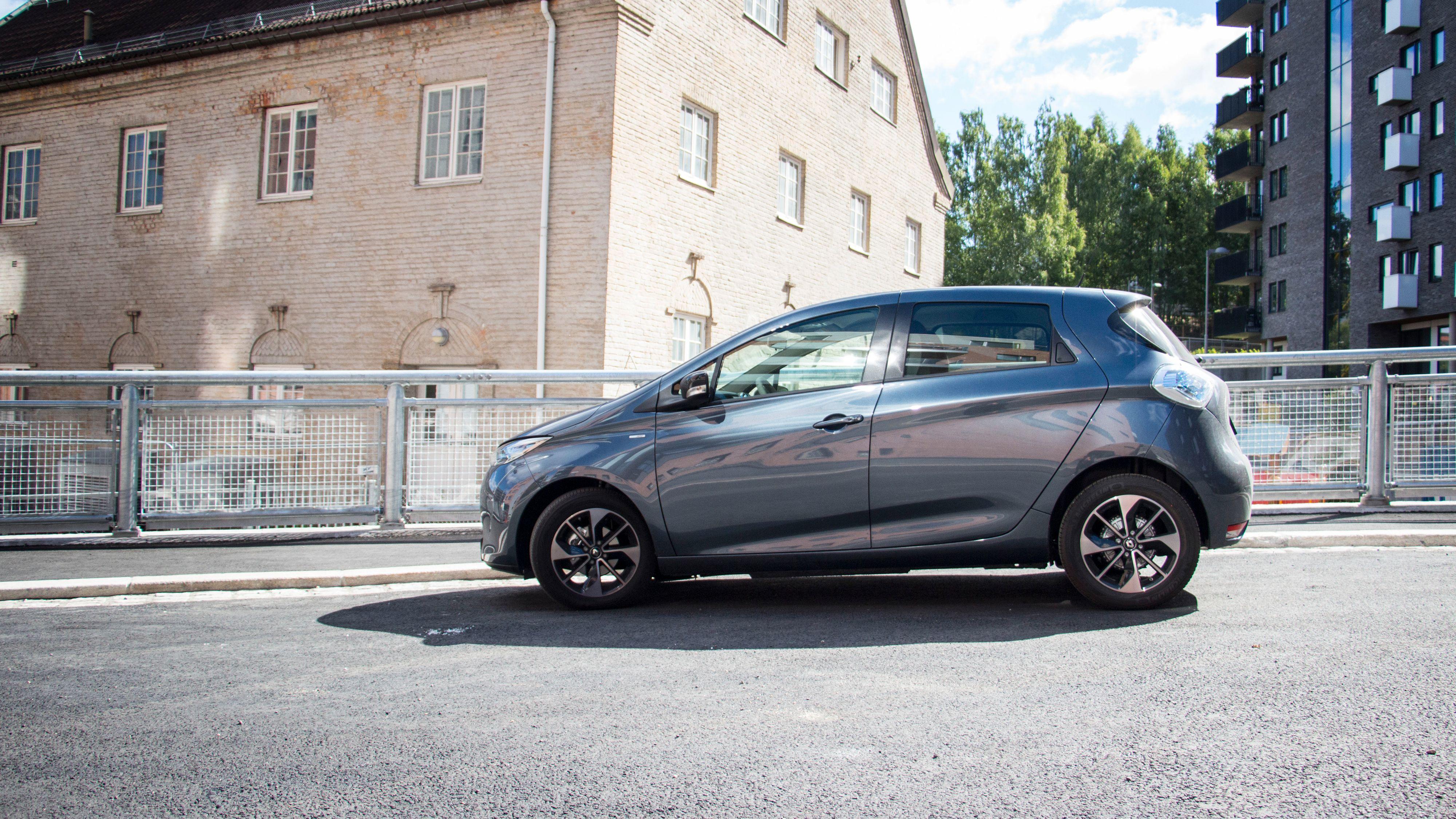 Renault melder om at det kommer inn noen hundre Zoe fremover, og at det er mulig å snappe opp en relativt kjapt.