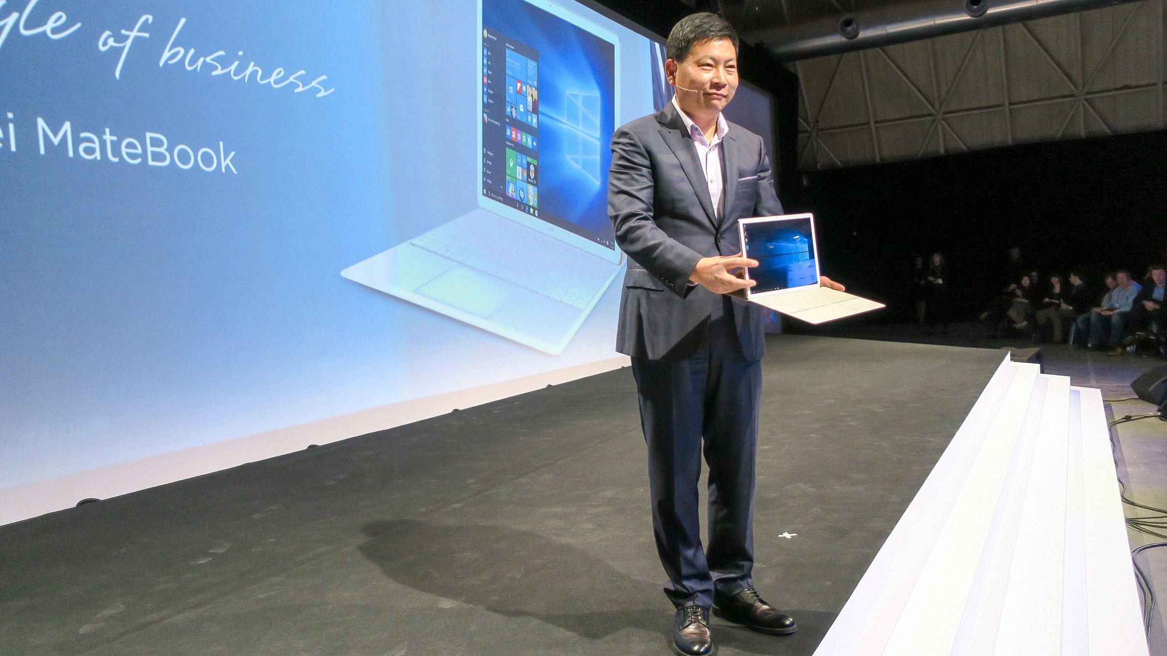 Richard Yu: Se hva jeg har til dere. Det nye nettbrettet/PCen slår alle konkurrentene ned i støvlene i følge sjefen for devicer, Richard Yu. ORV