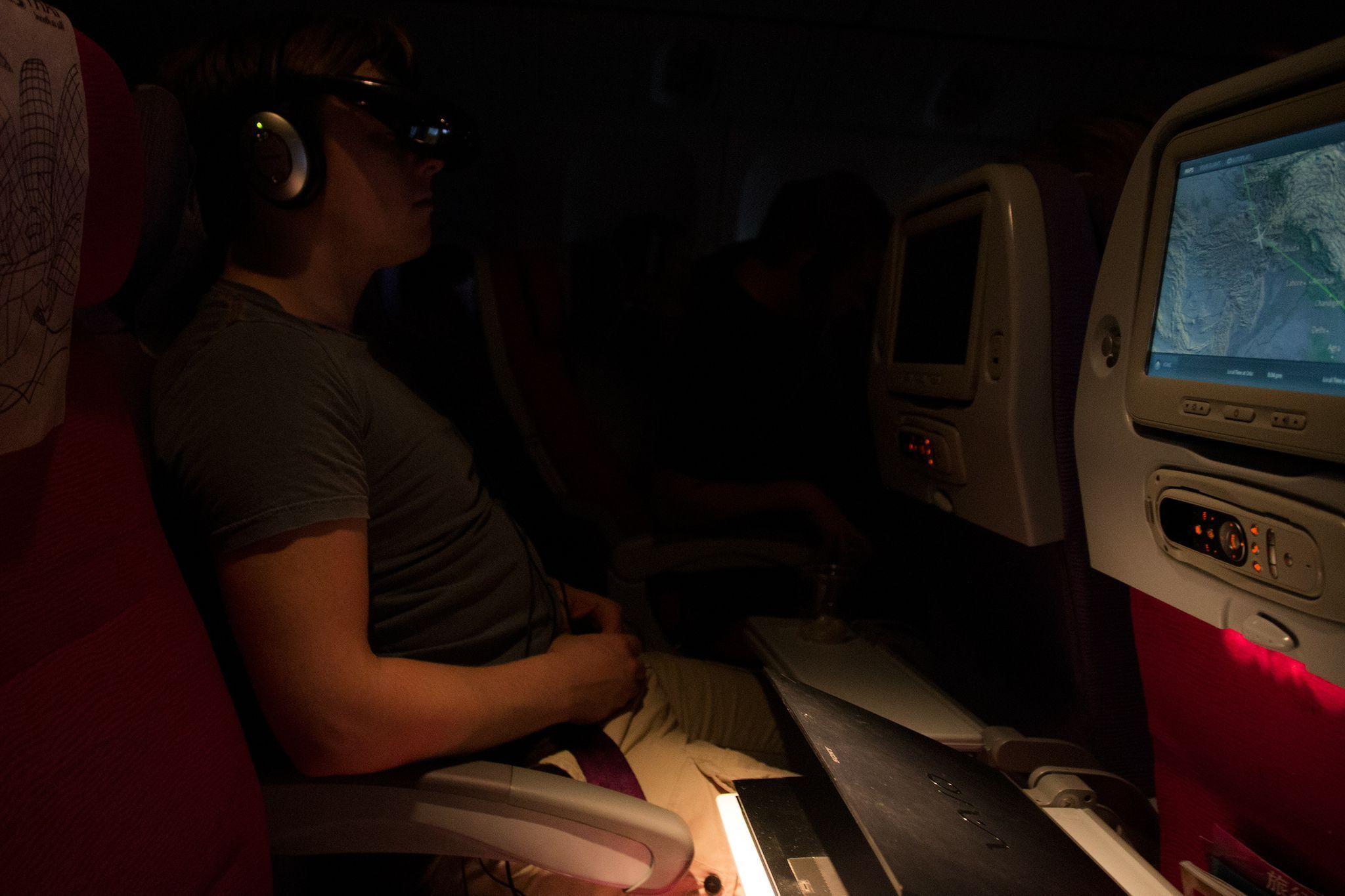 Med mørke omgivelser fungerer de fleste alternativene bra, men det er alltids noen som skrur på en leselampe.Foto: Rolf B. Wegner, Hardware.no