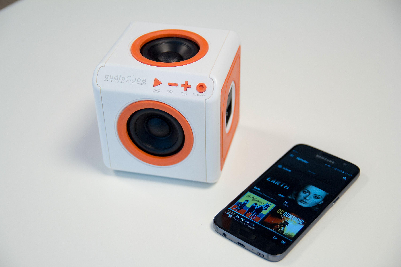 AudioCube kan brukes både trådløst og med kabel.
