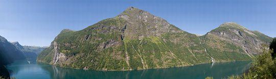 Kai Solberg, Spinville Design: Skageflå, Geirangerfjorden, Norway. Gigapikselfoto.